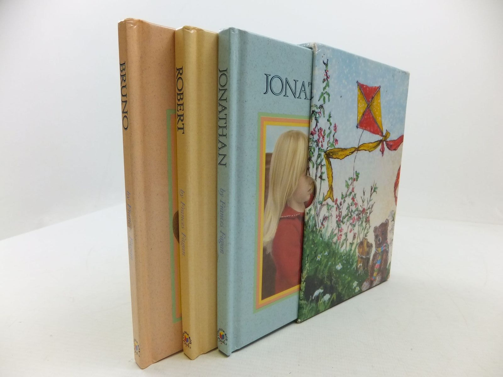 Photo of BRUNO, JONATHAN AND ROBERT written by Fagan, Frances illustrated by Hewitt, Clare published by Colourbox Publishing (STOCK CODE: 1108930)  for sale by Stella & Rose's Books