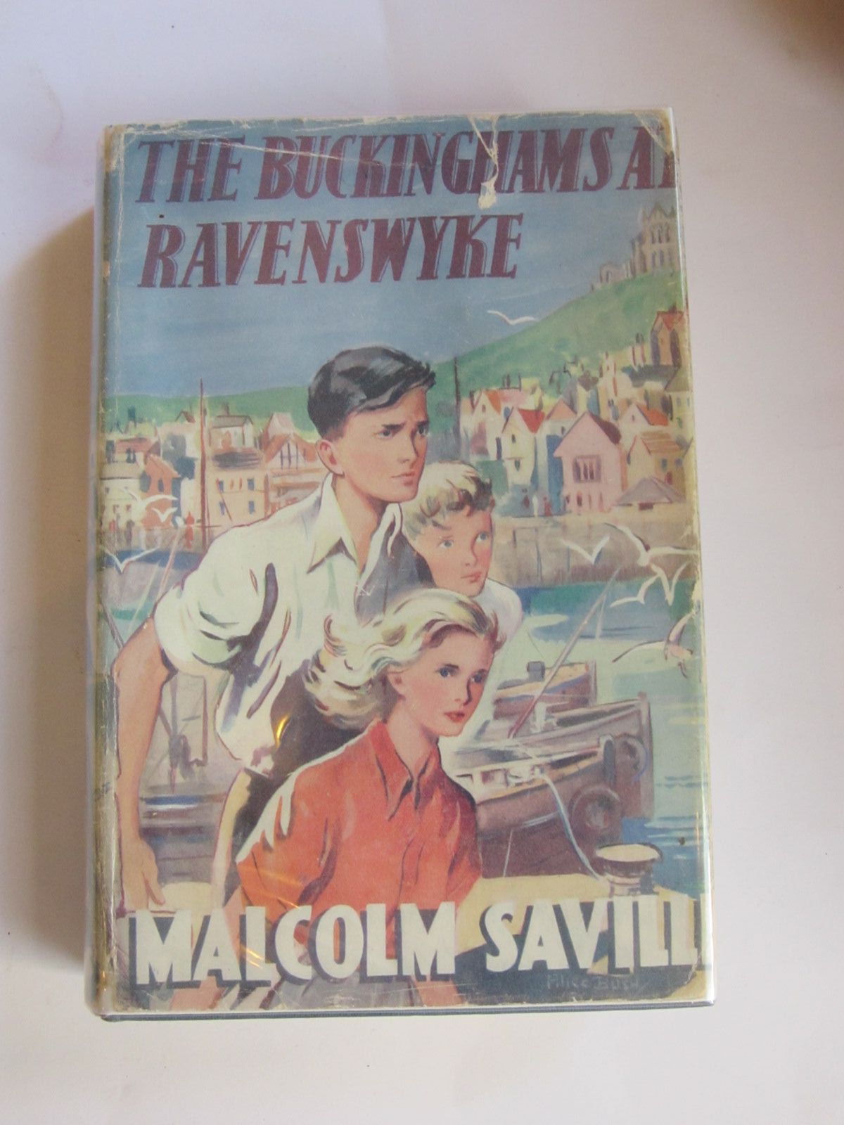 Photo of THE BUCKINGHAMS AT RAVENSWYKE written by Saville, Malcolm illustrated by Bush, Alice published by Evans Brothers Limited (STOCK CODE: 1206570)  for sale by Stella & Rose's Books
