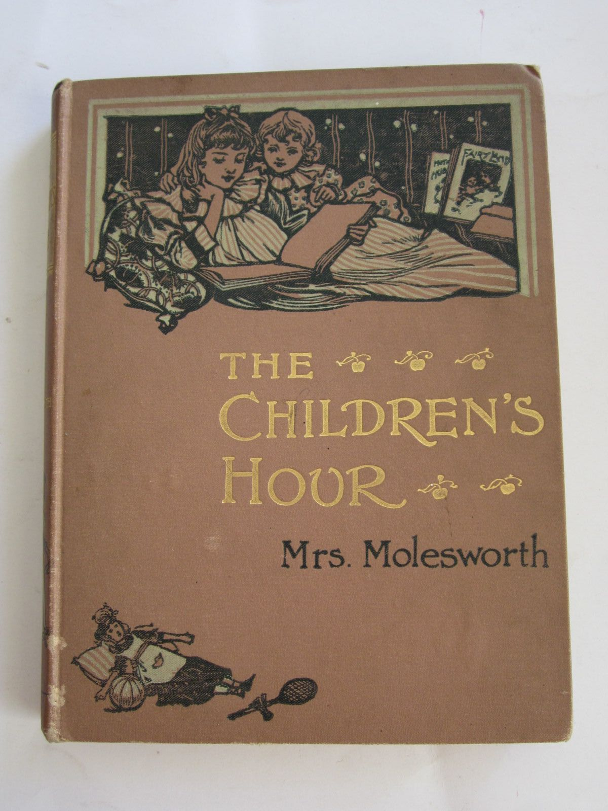Photo of THE CHILDREN'S HOUR written by Molesworth, Mrs. published by T. Nelson & Sons (STOCK CODE: 1207649)  for sale by Stella & Rose's Books