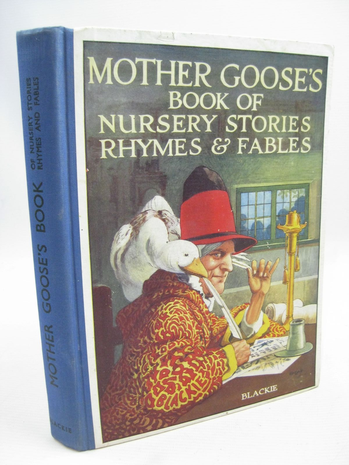 mother goose nursery rhymes hurst Tomie depaola's mother goose hardcover – october 2, 1985 by  many of the  nursery rhymes are not suited for very young children but it is a beautiful book.