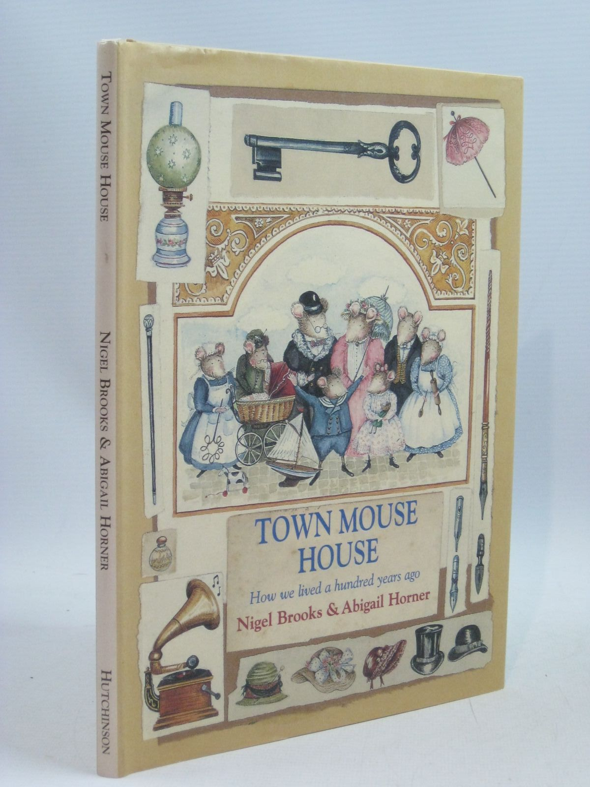 Photo of TOWN MOUSE HOUSE written by Brooks, Nigel illustrated by Horner, Abigail published by Hutchinson (STOCK CODE: 1315717)  for sale by Stella & Rose's Books