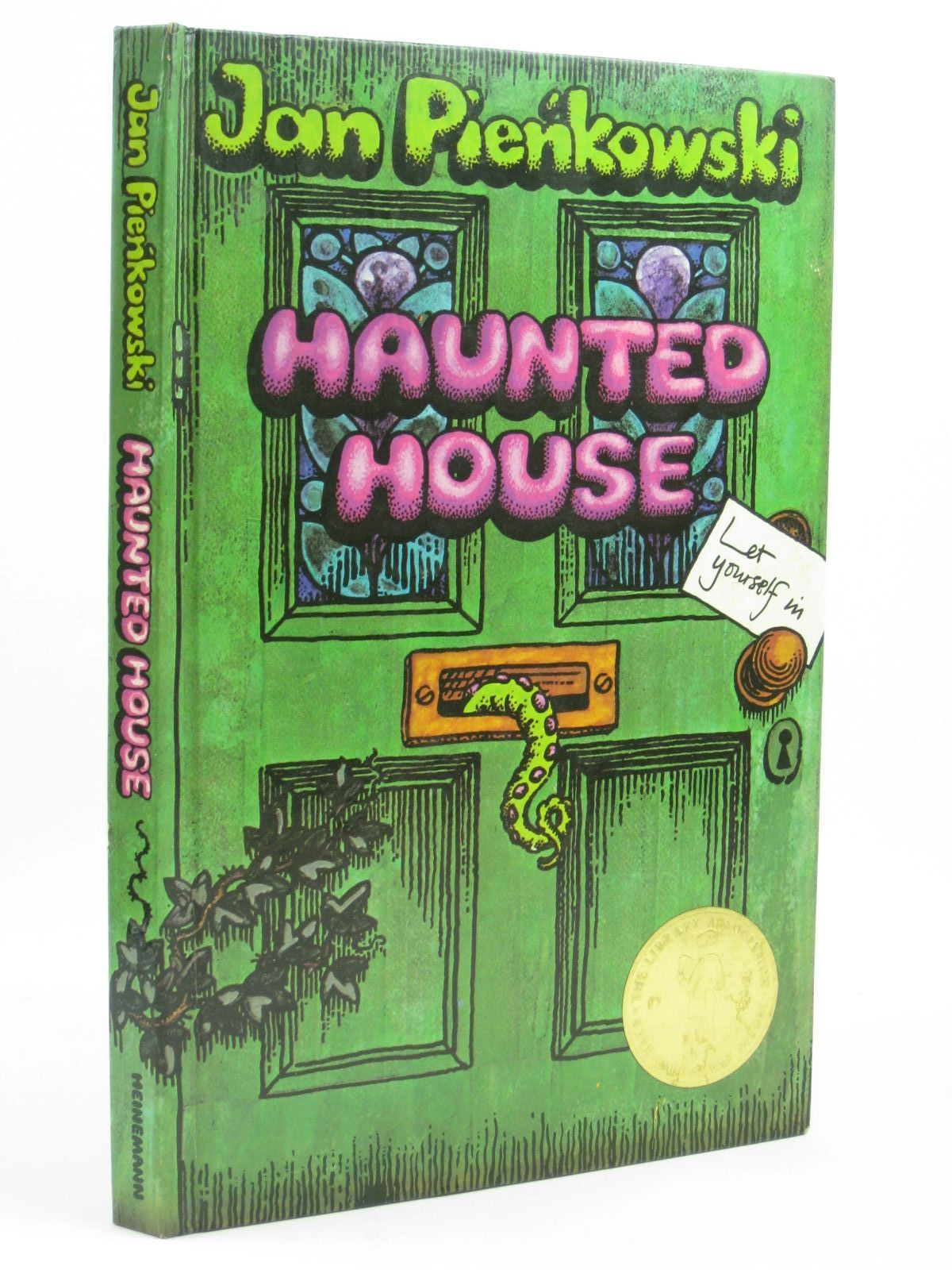 Photo of HAUNTED HOUSE written by Pienkowski, Jan illustrated by Pienkowski, Jan<br />Walmsley, Jane published by William Heinemann Ltd. (STOCK CODE: 1316266)  for sale by Stella & Rose's Books