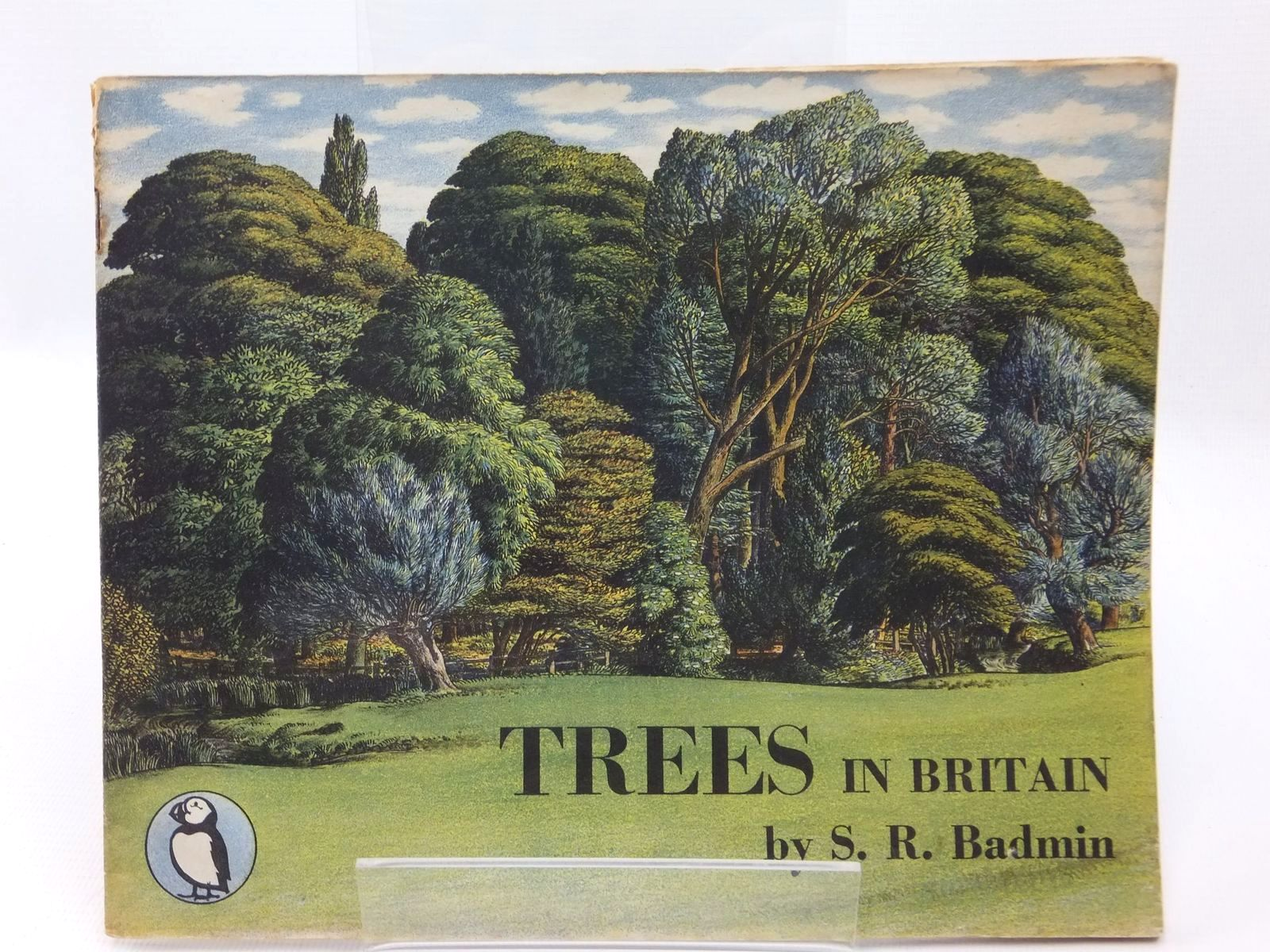 Photo of TREES IN BRITAIN written by Badmin, S.R. illustrated by Badmin, S.R. published by Penguin (STOCK CODE: 1316885)  for sale by Stella & Rose's Books