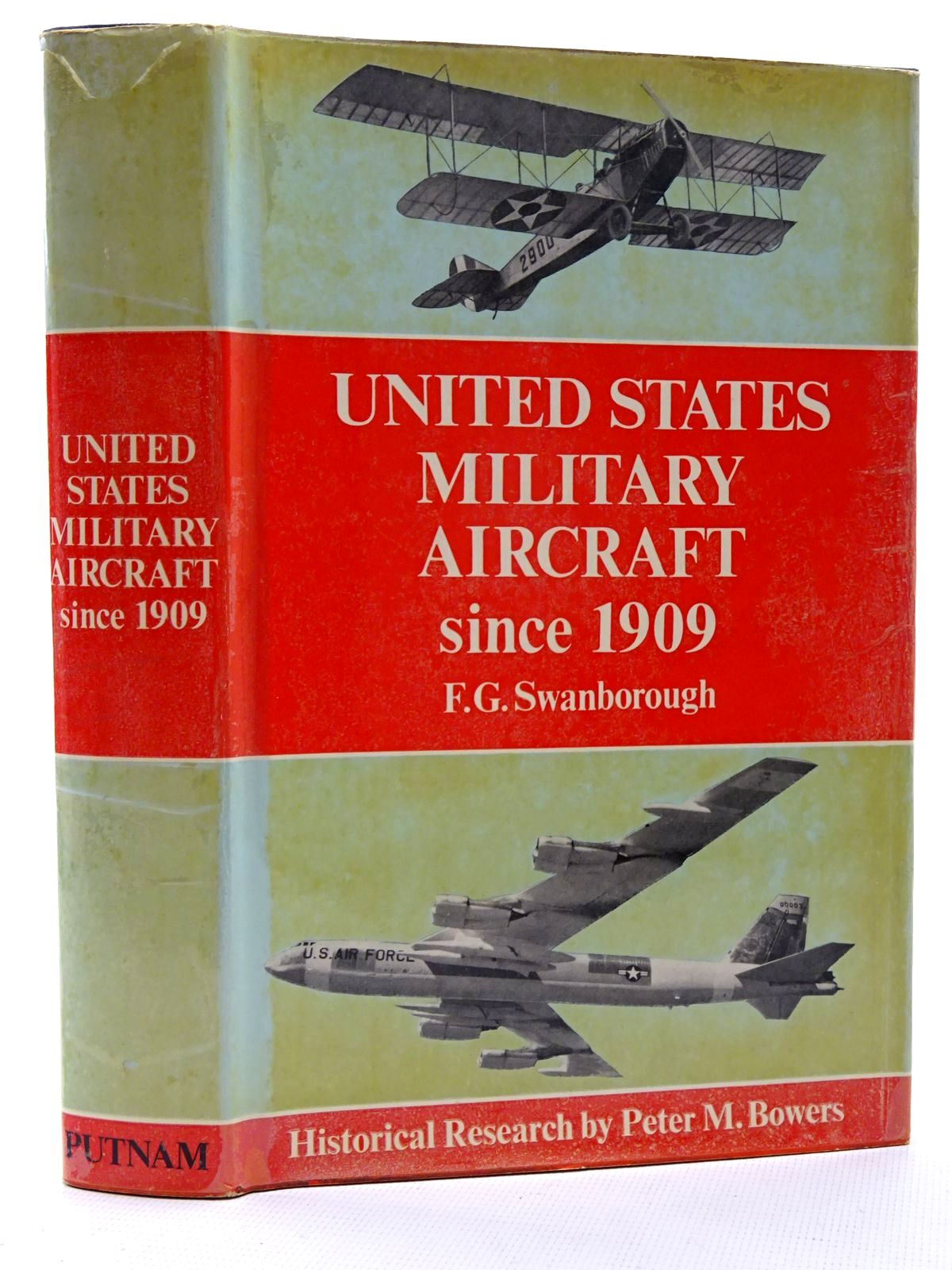 Photo of UNITED STATES MILITARY AIRCRAFT SINCE 1909 written by Swanborough, Gordon<br />Bowers, Peter M. published by Putnam (STOCK CODE: 1317348)  for sale by Stella & Rose's Books