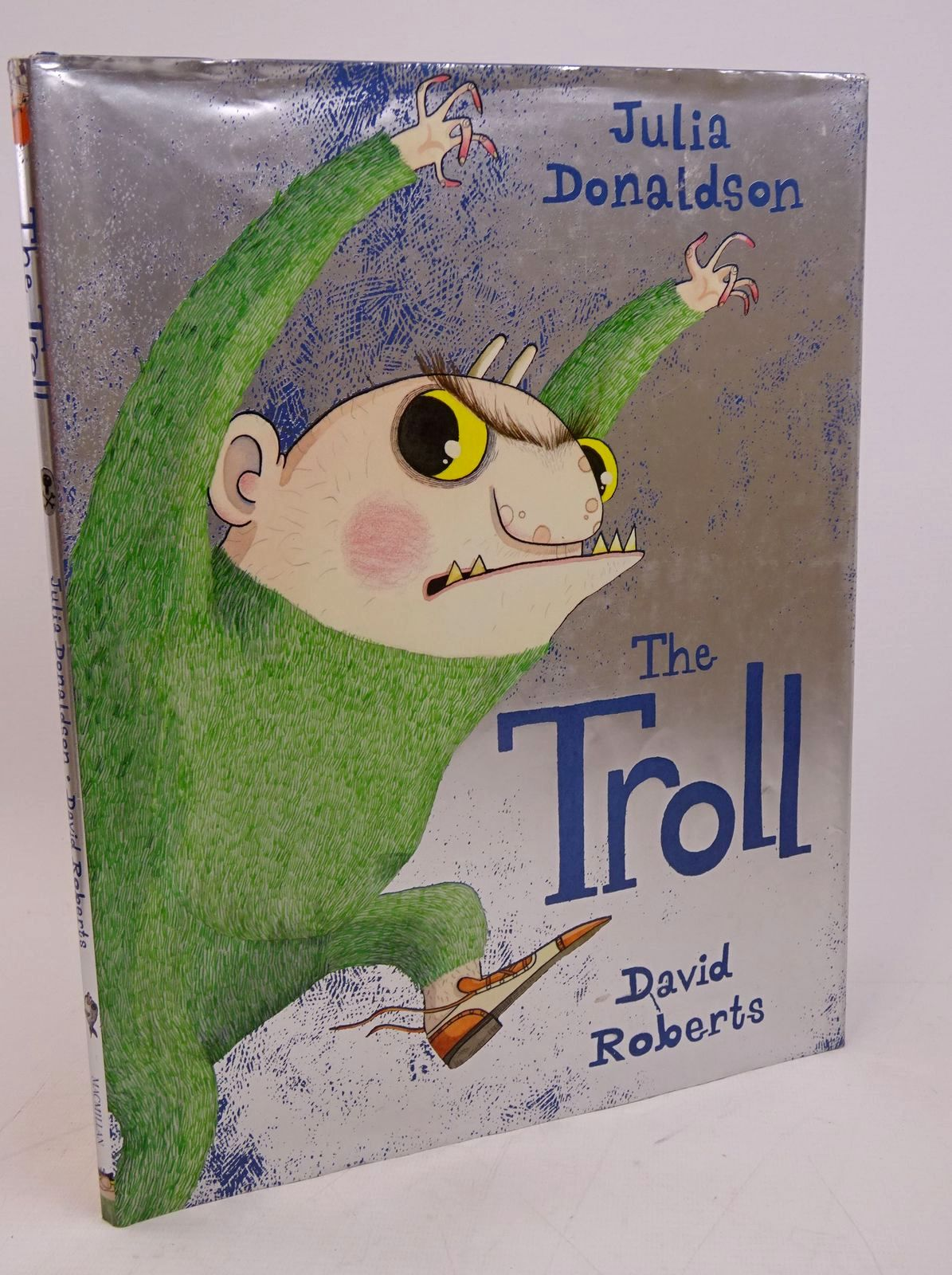 Photo of THE TROLL written by Donaldson, Julia illustrated by Roberts, David published by Macmillan Children's Books (STOCK CODE: 1317841)  for sale by Stella & Rose's Books