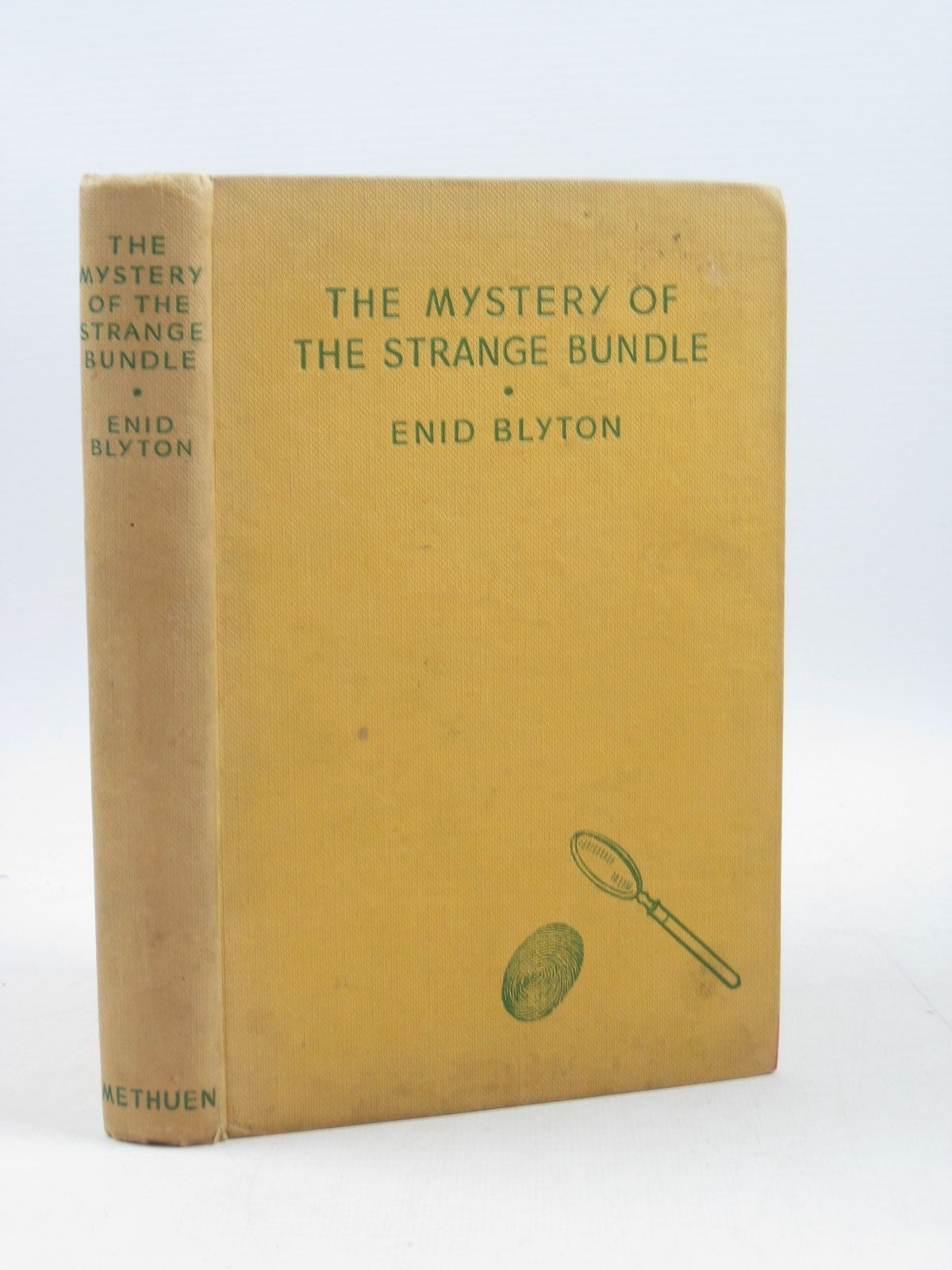 Photo of THE MYSTERY OF THE STRANGE BUNDLE written by Blyton, Enid illustrated by Evans, Treyer published by Methuen & Co. Ltd. (STOCK CODE: 1403178)  for sale by Stella & Rose's Books