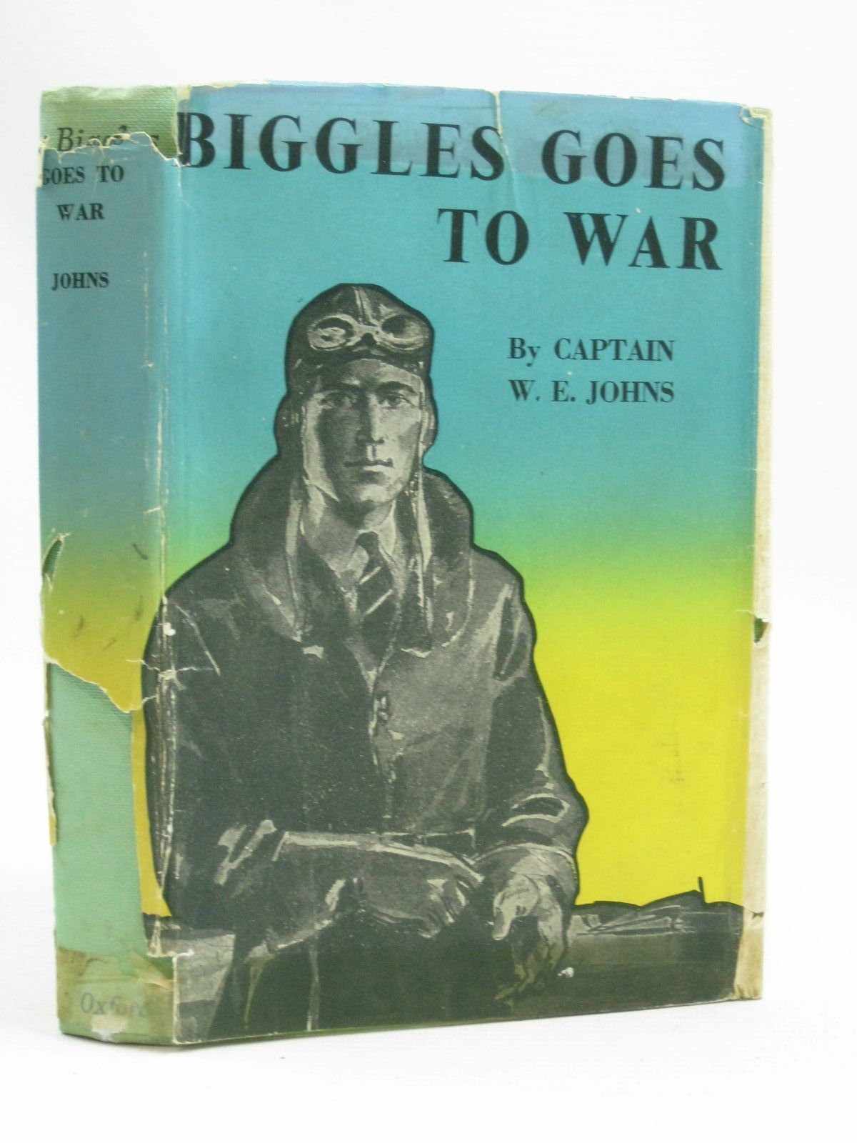 Photo of BIGGLES GOES TO WAR written by Johns, W.E. illustrated by Tyas, Martin published by Geoffrey Cumberlege, Oxford University Press (STOCK CODE: 1405310)  for sale by Stella & Rose's Books