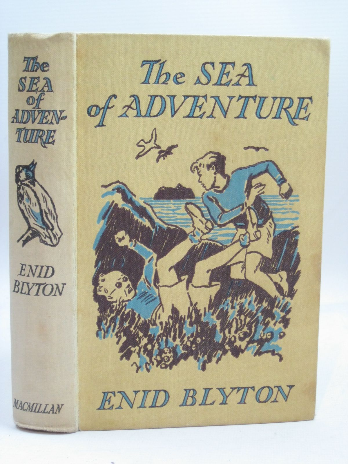 Photo of THE SEA OF ADVENTURE written by Blyton, Enid illustrated by Tresilian, Stuart published by Macmillan & Co. Ltd. (STOCK CODE: 1405911)  for sale by Stella & Rose's Books