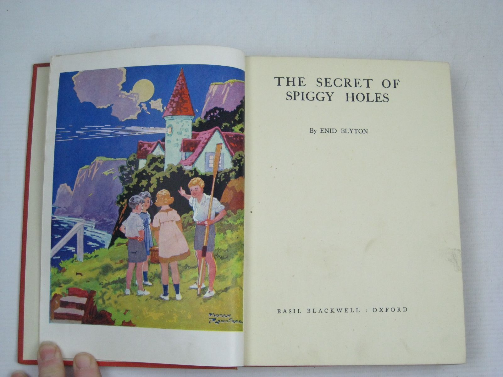 Photo of THE SECRET OF SPIGGY HOLES written by Blyton, Enid illustrated by Davie, E.H. published by Basil Blackwell (STOCK CODE: 1506115)  for sale by Stella & Rose's Books