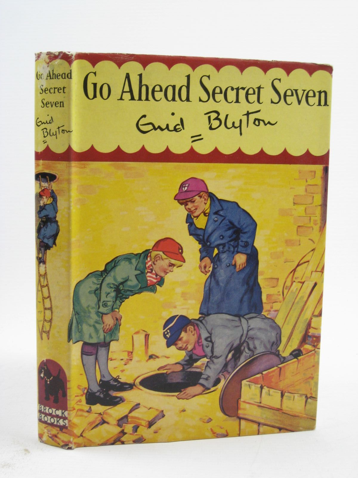 Photo of GO AHEAD SECRET SEVEN written by Blyton, Enid illustrated by Kay, Bruno published by Brockhampton Press Ltd. (STOCK CODE: 1507310)  for sale by Stella & Rose's Books