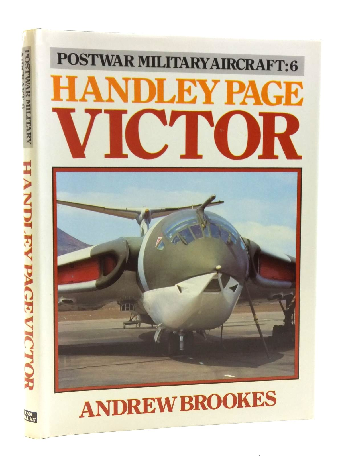 Photo of HANDLEY PAGE VICTOR written by Brookes, Andrew published by Ian Allan Ltd. (STOCK CODE: 1607909)  for sale by Stella & Rose's Books