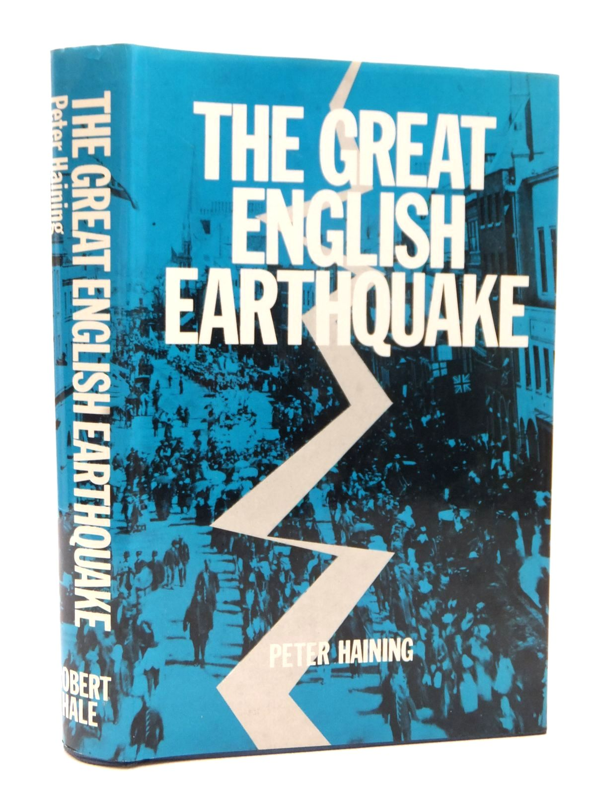 Photo of THE GREAT ENGLISH EARTHQUAKE written by Haining, Peter published by Robert Hale (STOCK CODE: 1609114)  for sale by Stella & Rose's Books