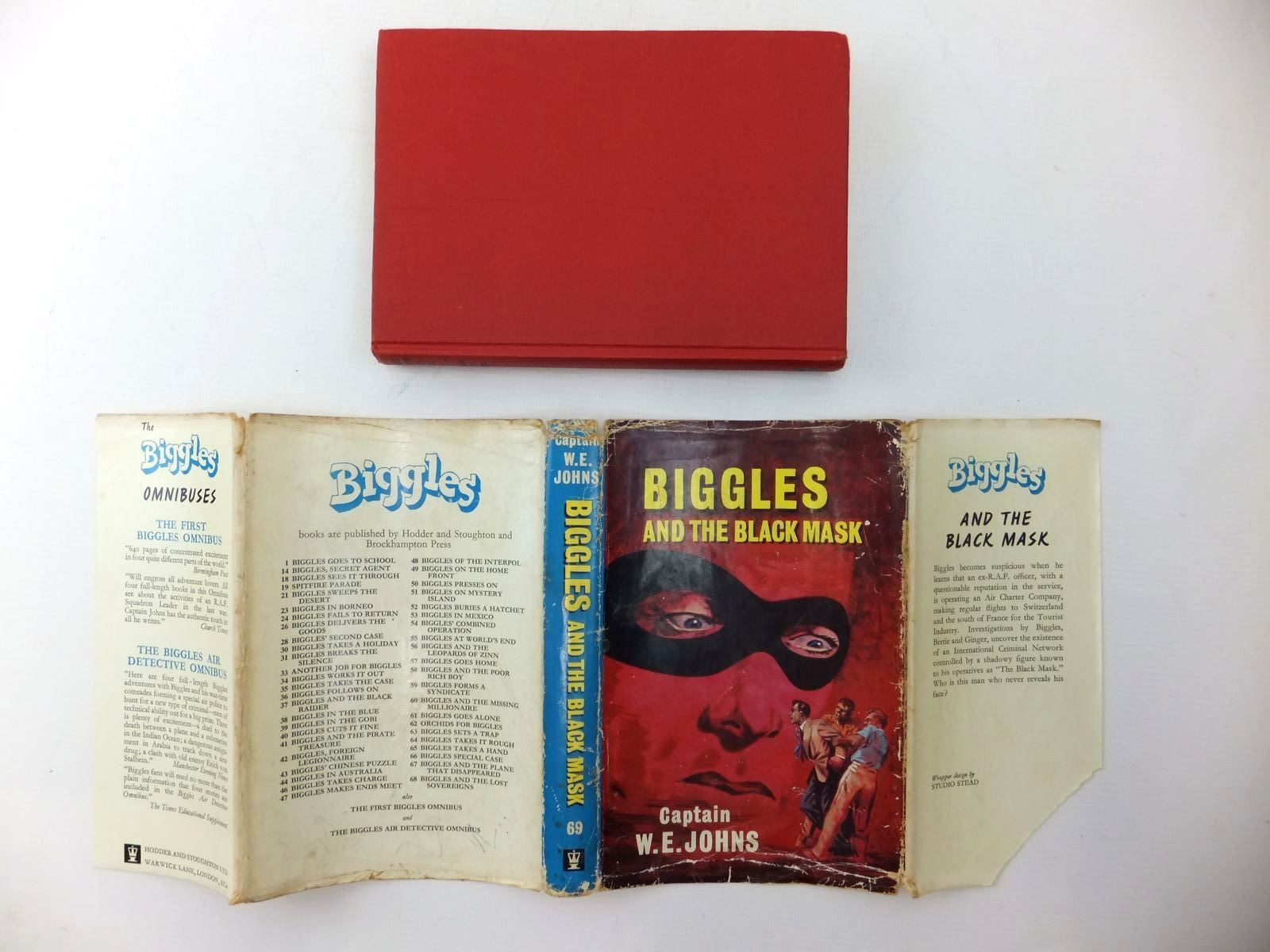 Photo of BIGGLES AND THE BLACK MASK written by Johns, W.E. illustrated by Stead,  published by Hodder & Stoughton (STOCK CODE: 1609492)  for sale by Stella & Rose's Books