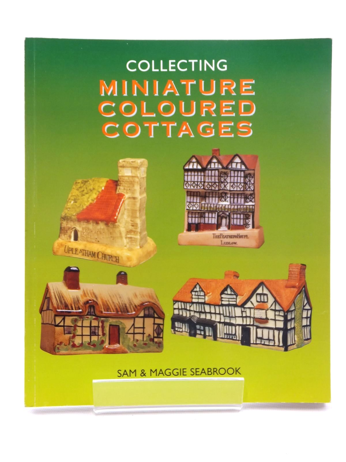 Photo of COLLECTING MINIATURE COLOURED COTTAGES written by Seabrook, Sam<br />Seabrook, Maggie published by New Cavendish Books (STOCK CODE: 1610062)  for sale by Stella & Rose's Books