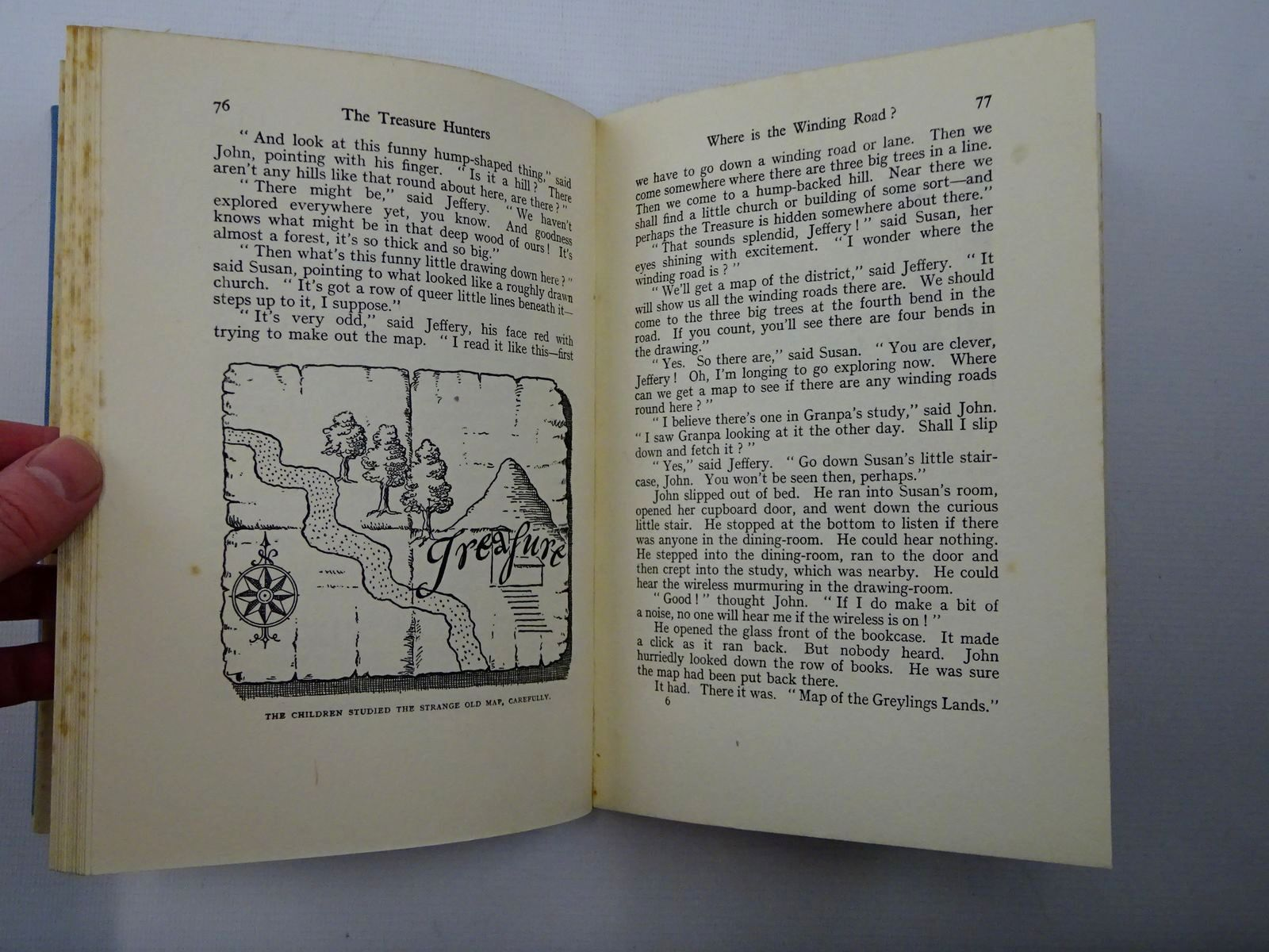 Photo of THE TREASURE HUNTERS written by Blyton, Enid illustrated by Wilson, E.<br />Davies, Joyce published by George Newnes Limited (STOCK CODE: 1610114)  for sale by Stella & Rose's Books