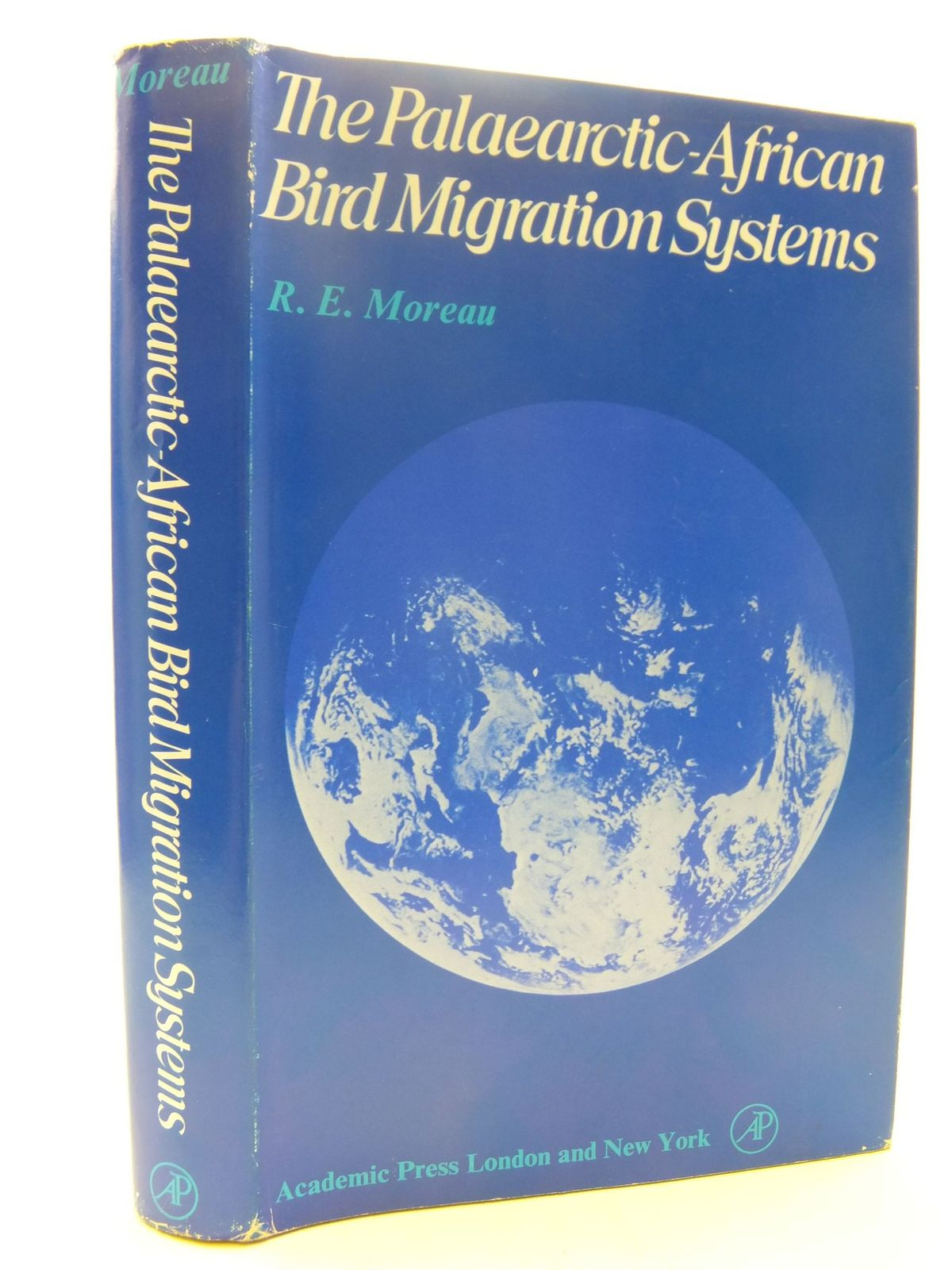 Photo of THE PALAEARCTIC-AFRICAN BIRD MIGRATION SYSTEMS written by Moreau, R.E. published by Academic Press (STOCK CODE: 1708737)  for sale by Stella & Rose's Books