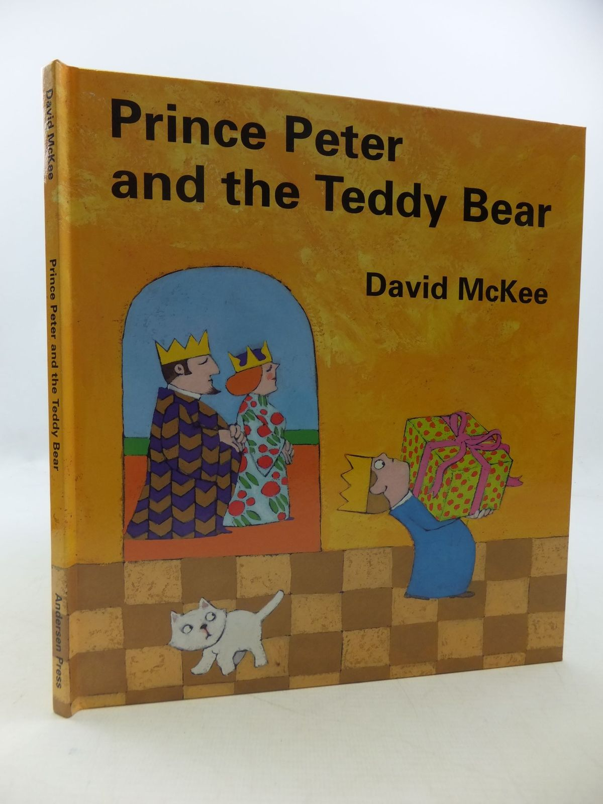 Photo of PRINCE PETER AND THE TEDDY BEAR written by McKee, David illustrated by McKee, David published by Andersen Press (STOCK CODE: 1710245)  for sale by Stella & Rose's Books