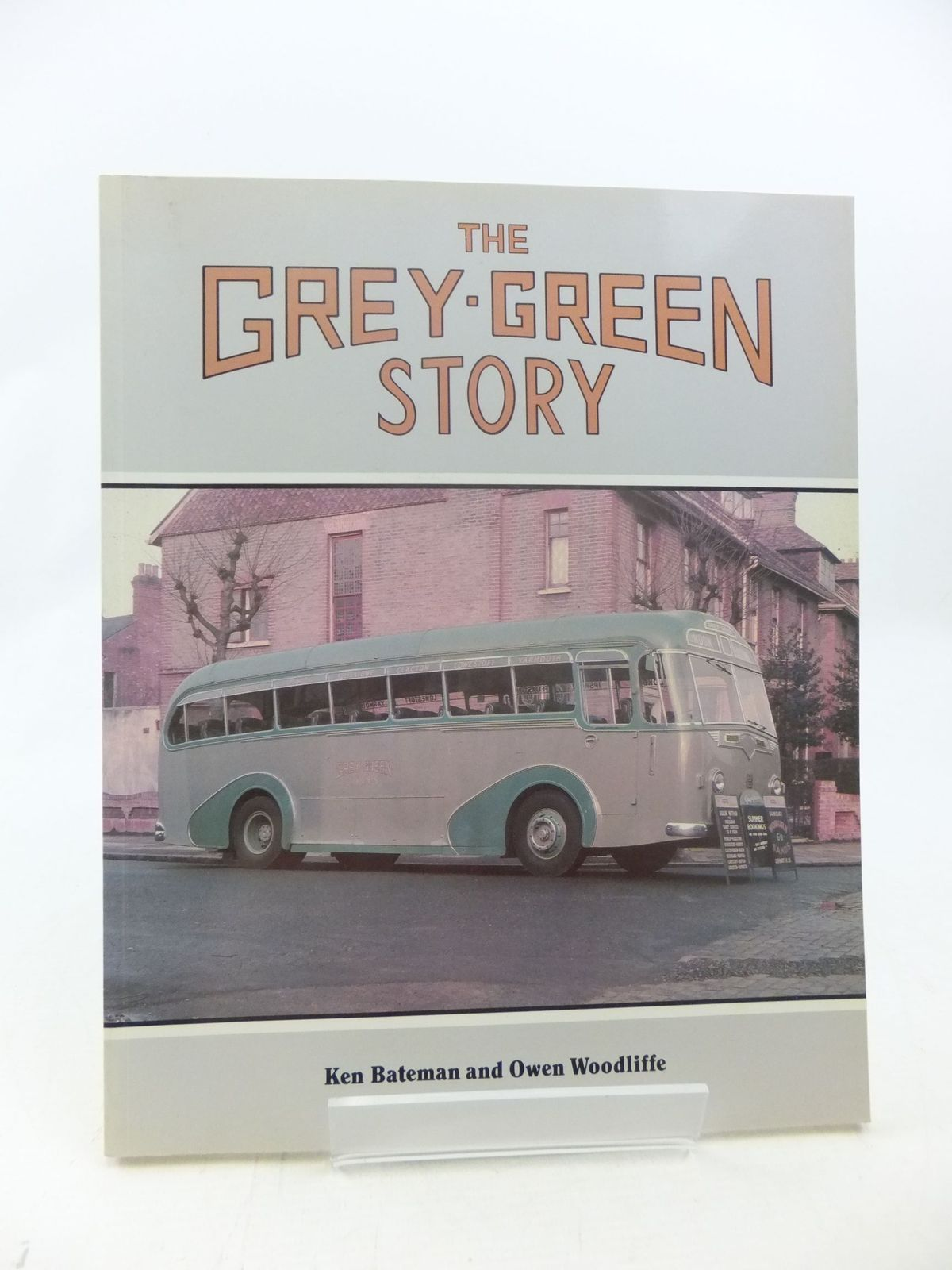 Photo of THE GREY-GREEN STORY written by Bateman, Ken<br />Woodliffe, Owen published by Capital Transport (STOCK CODE: 1711072)  for sale by Stella & Rose's Books