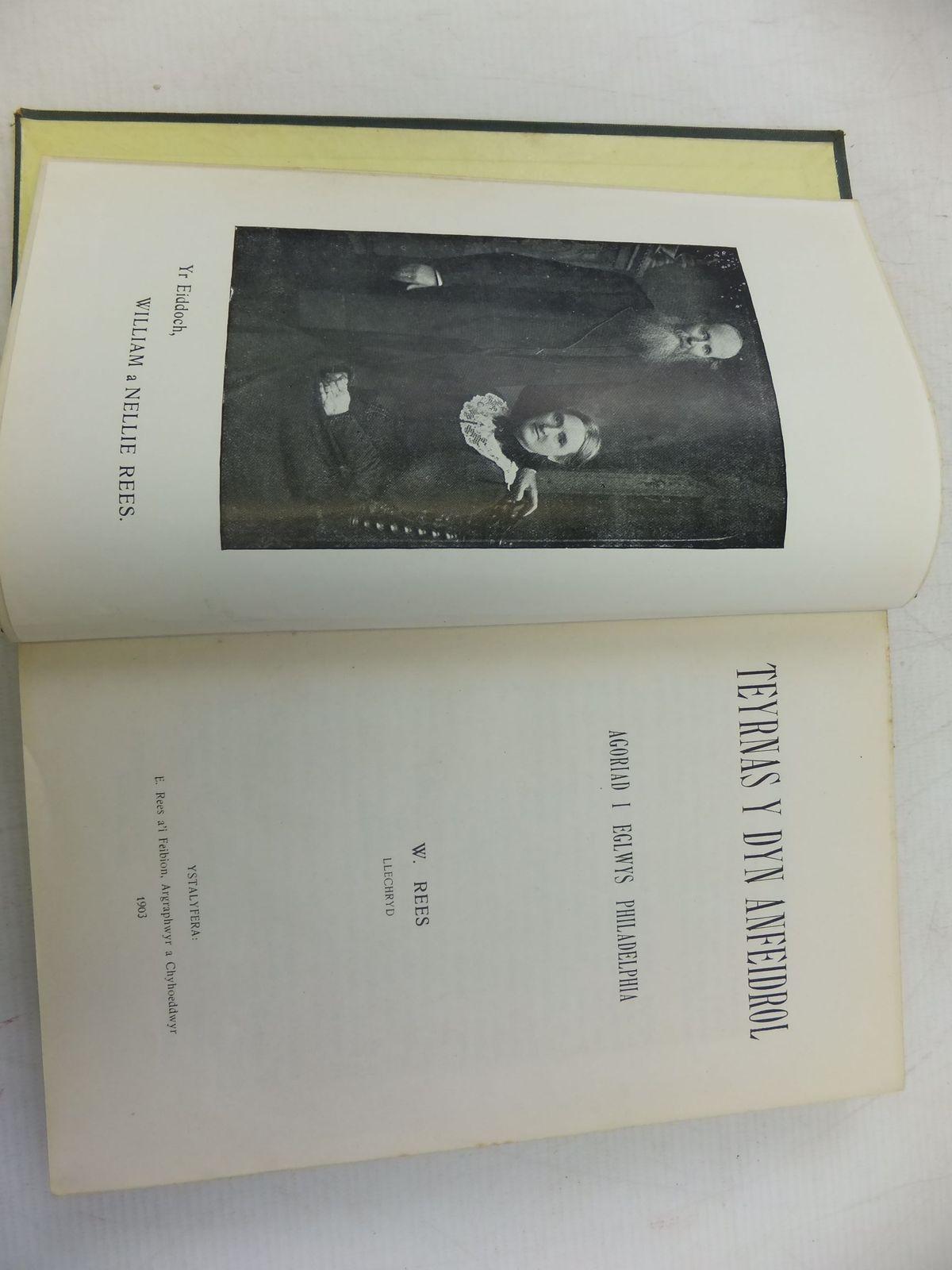 Photo of TEYRNAS Y DYN ANFEIDROL: AGORIAD I EGLWYS PHILADELPHIA written by Rees, W. published by Ystalyfera (STOCK CODE: 1713027)  for sale by Stella & Rose's Books