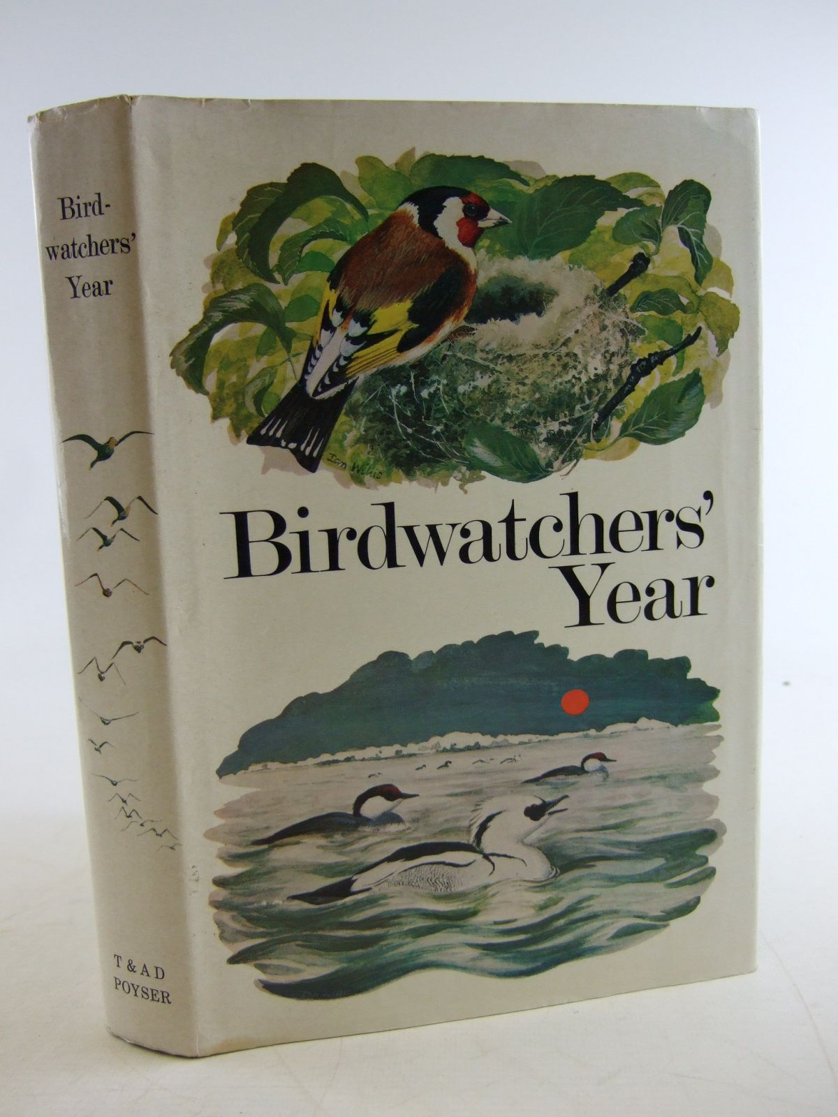 Photo of BIRDWATCHERS' YEAR written by Batten, Leo<br />Flegg, Jim<br />et al,  illustrated by Willis, Ian<br />Watson, Donald published by T. & A.D. Poyser (STOCK CODE: 1806334)  for sale by Stella & Rose's Books