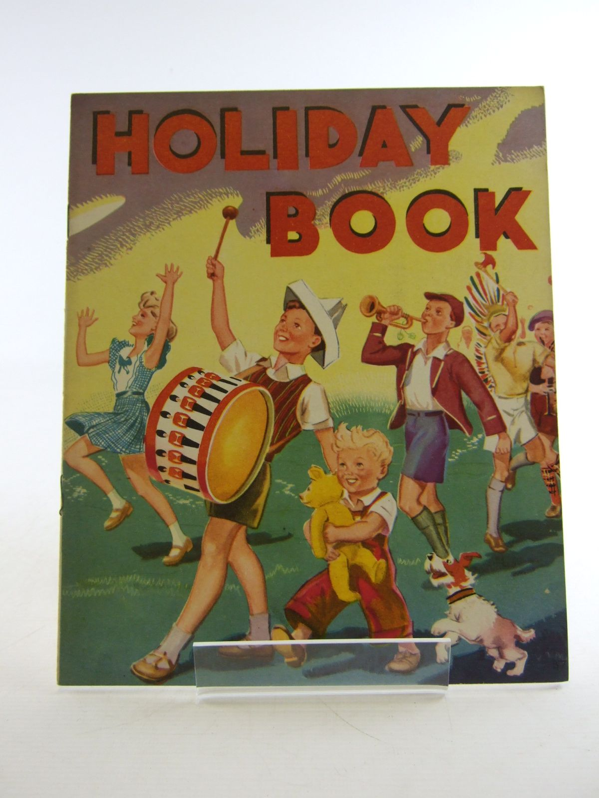 Photo of HOLIDAY BOOK published by Wm. Collins Sons & Co. Ltd. (STOCK CODE: 1806554)  for sale by Stella & Rose's Books