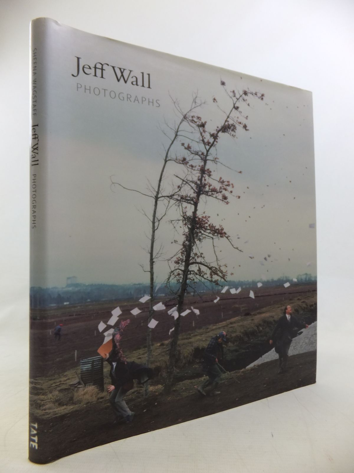 Photo of JEFF WALL: PHOTOGRAPHS 1978-2004 written by Wagstaff, Sheena illustrated by Wall, Jeff published by Tate Publishing (STOCK CODE: 1811259)  for sale by Stella & Rose's Books