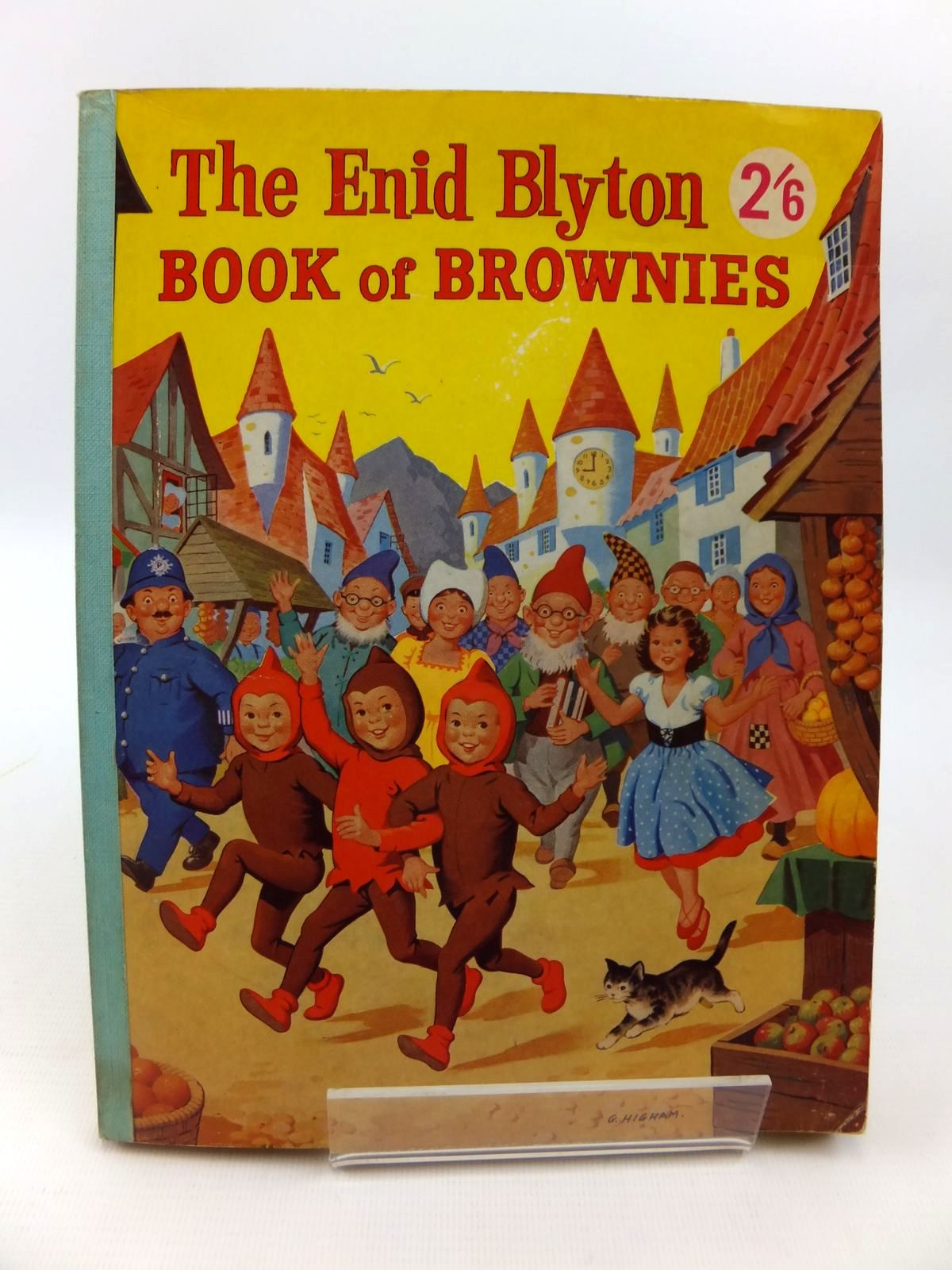 Photo of THE ENID BLYTON BOOK OF BROWNIES written by Blyton, Enid published by George Newnes Ltd. (STOCK CODE: 1812704)  for sale by Stella & Rose's Books