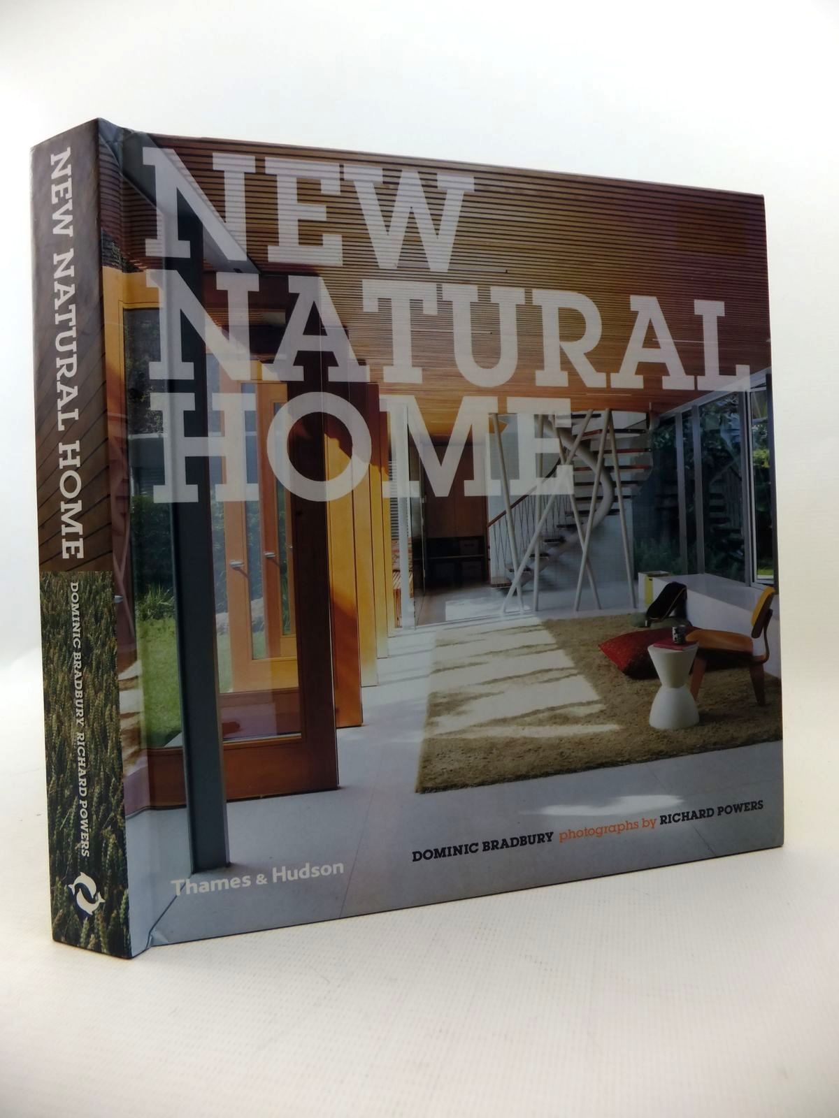 Photo of NEW NATURAL HOME written by Bradbury, Dominic published by Thames and Hudson (STOCK CODE: 1813227)  for sale by Stella & Rose's Books