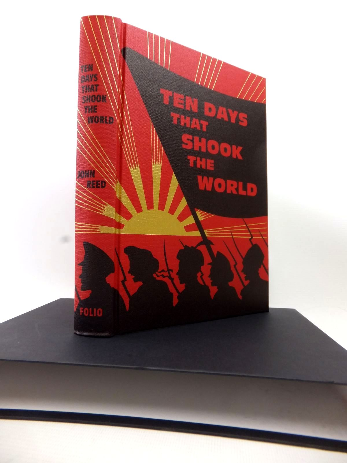 Photo of TEN DAYS THAT SHOOK THE WORLD written by Reed, John published by Folio Society (STOCK CODE: 1813913)  for sale by Stella & Rose's Books