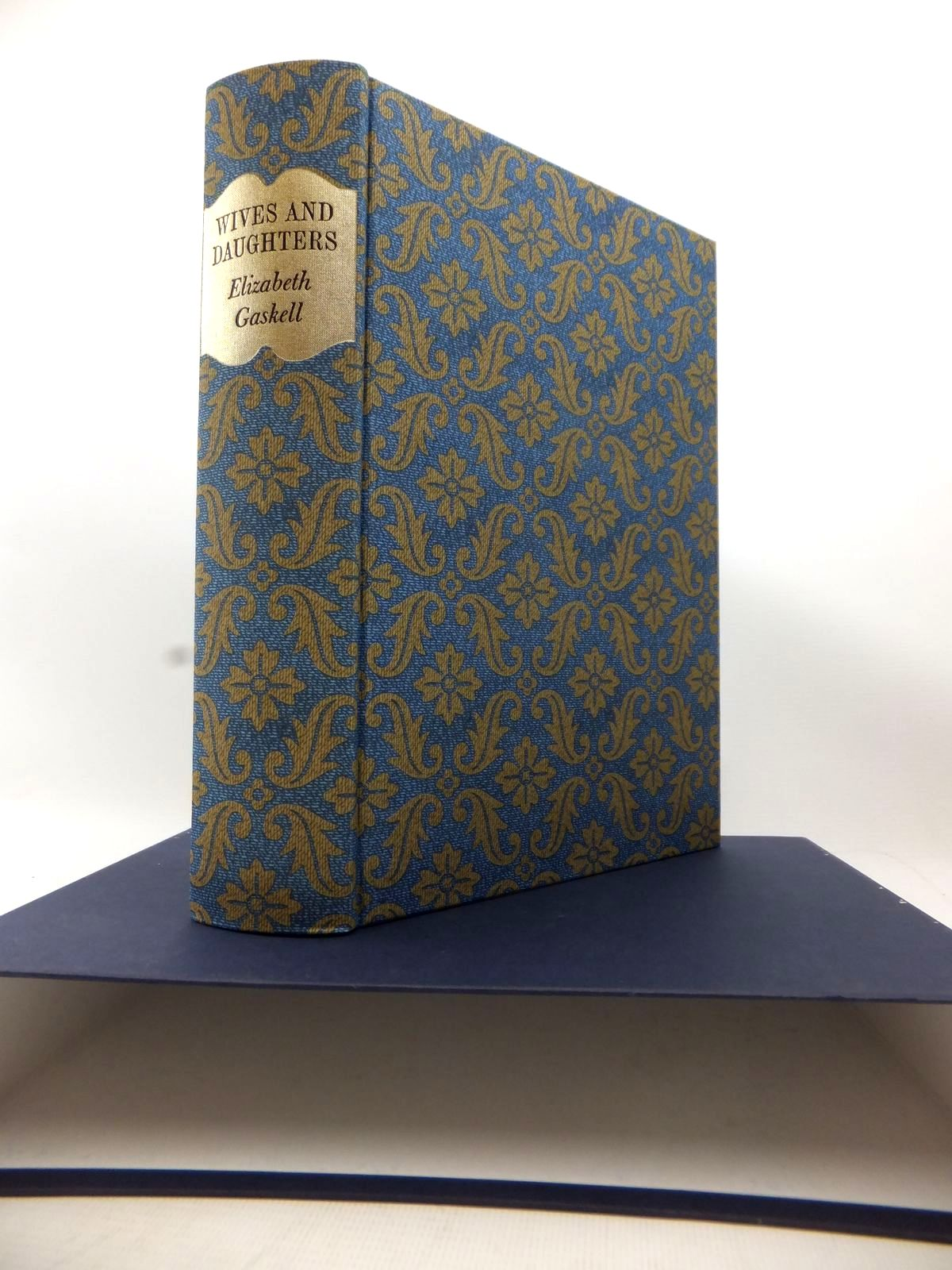 Photo of WIVES AND DAUGHTERS written by Gaskell, Elizabeth Cleghorn illustrated by Pendle, Alexy published by Folio Society (STOCK CODE: 1813923)  for sale by Stella & Rose's Books