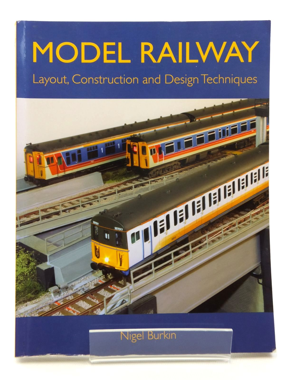 Photo of MODEL RAILWAY LAYOUT, CONSTRUCTION AND DESIGN TECHNIQUES