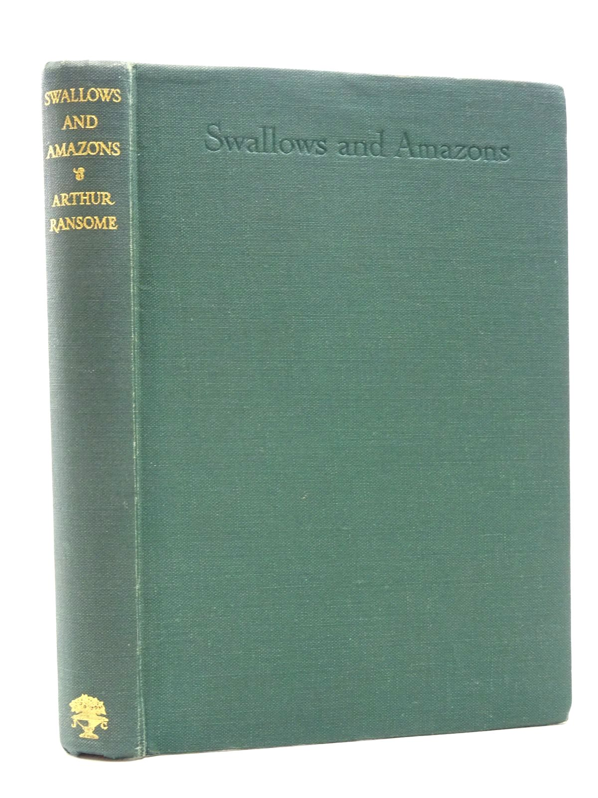 Photo of SWALLOWS AND AMAZONS written by Ransome, Arthur illustrated by Ransome, Arthur published by Jonathan Cape (STOCK CODE: 1815768)  for sale by Stella & Rose's Books