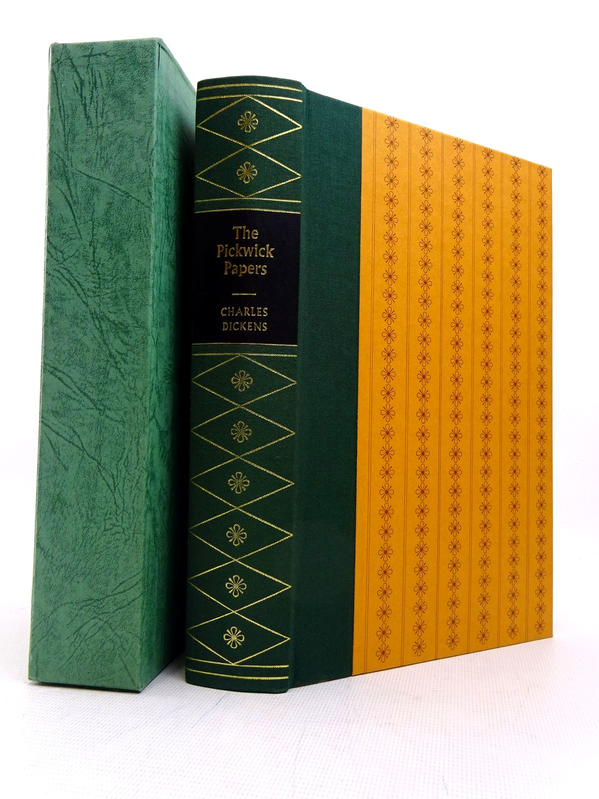 Photo of THE POSTHUMOUS PAPERS OF THE PICKWICK CLUB written by Dickens, Charles illustrated by Keeping, Charles published by Folio Society (STOCK CODE: 1817222)  for sale by Stella & Rose's Books