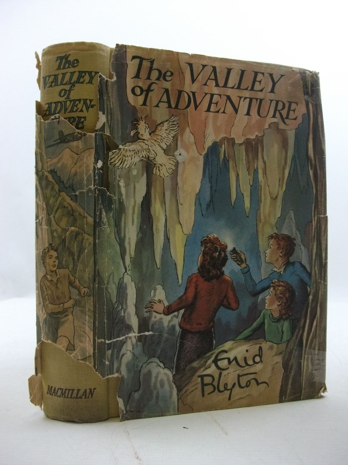 Photo of THE VALLEY OF ADVENTURE- Stock Number: 2110018