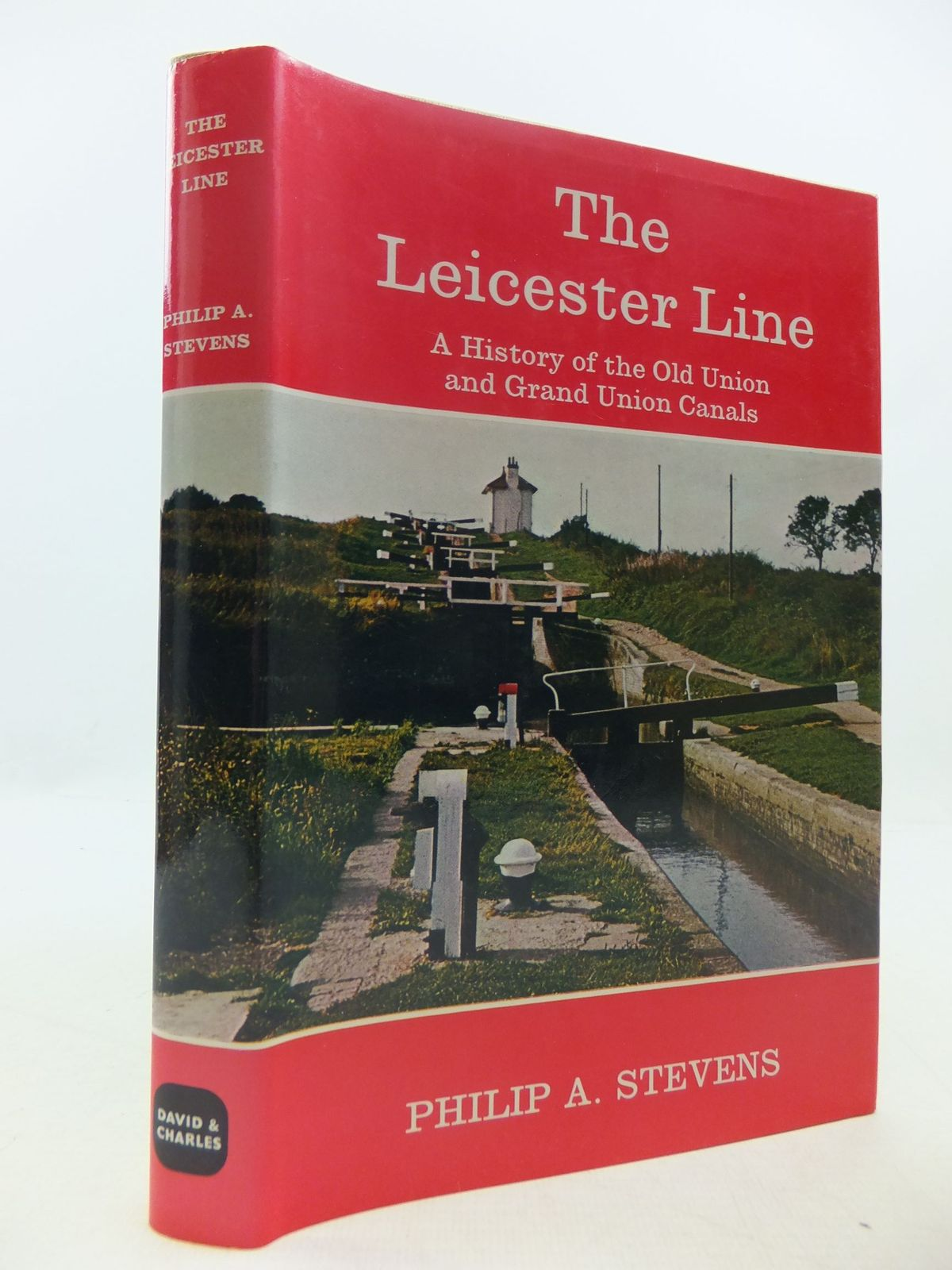 Photo of THE LEICESTER LINE written by Stevens, Philip A. published by David & Charles (STOCK CODE: 2111918)  for sale by Stella & Rose's Books