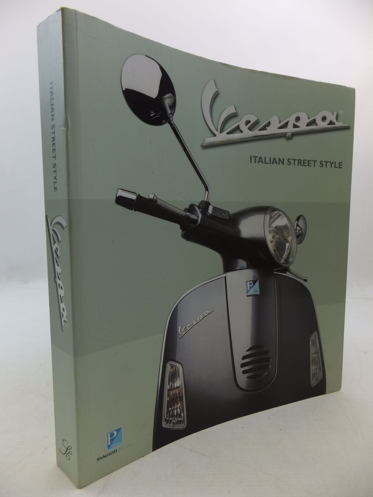 Photo of VESPA ITALIAN STREET STYLE published by Piaggio, Scriptum Editions (STOCK CODE: 2112528)  for sale by Stella & Rose's Books