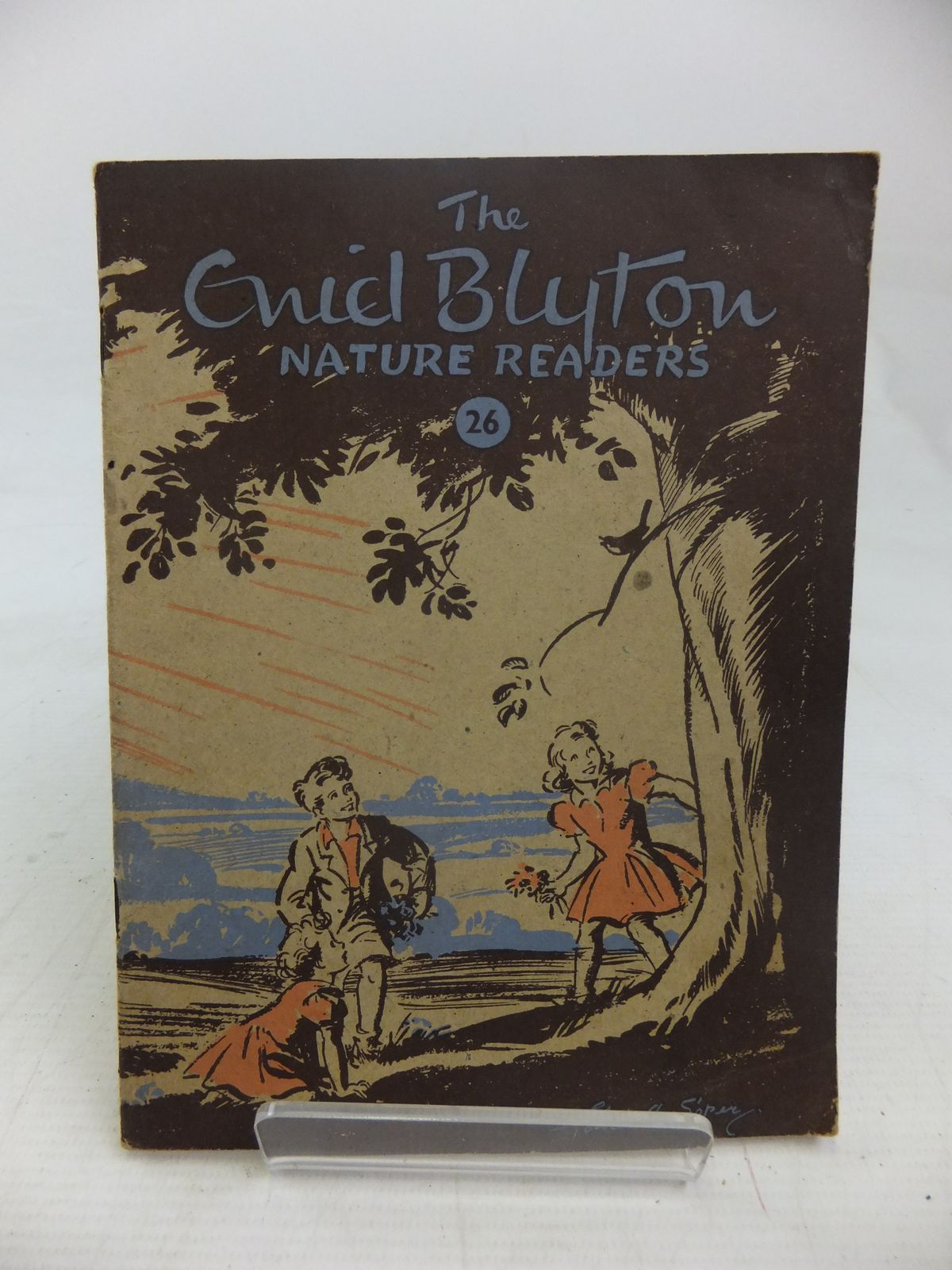 Photo of THE ENID BLYTON NATURE READERS NO. 26 written by Blyton, Enid illustrated by Soper, Eileen published by Macmillan & Co. Ltd. (STOCK CODE: 2116940)  for sale by Stella & Rose's Books