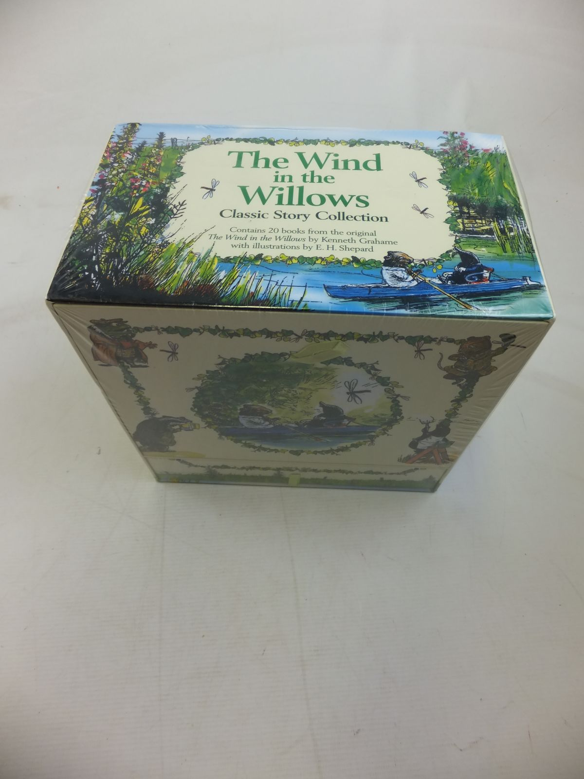Photo of THE WIND IN THE WILLOWS CLASSIC STORY COLLECTION