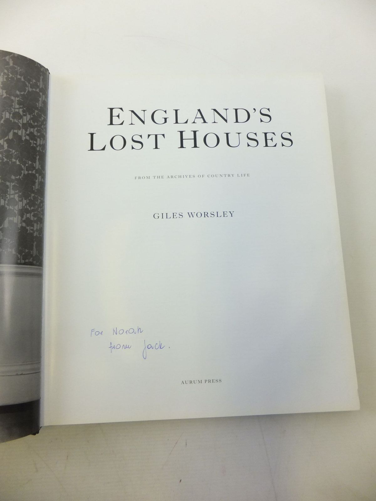 Photo of ENGLAND'S LOST HOUSES written by Worsley, Giles published by Aurum Press (STOCK CODE: 2118590)  for sale by Stella & Rose's Books
