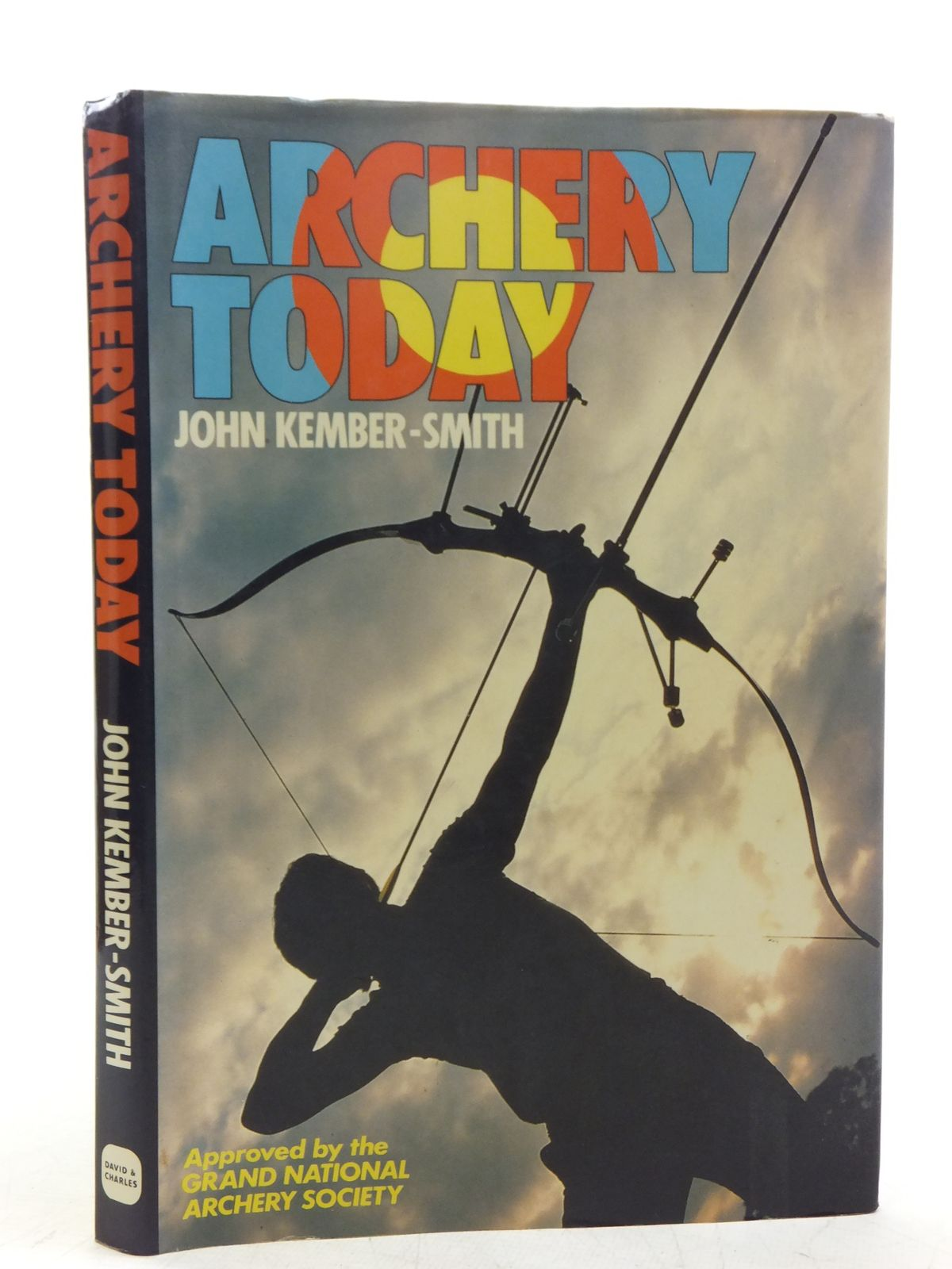 Photo of ARCHERY TODAY written by Kember-Smith, John published by David & Charles (STOCK CODE: 2118725)  for sale by Stella & Rose's Books
