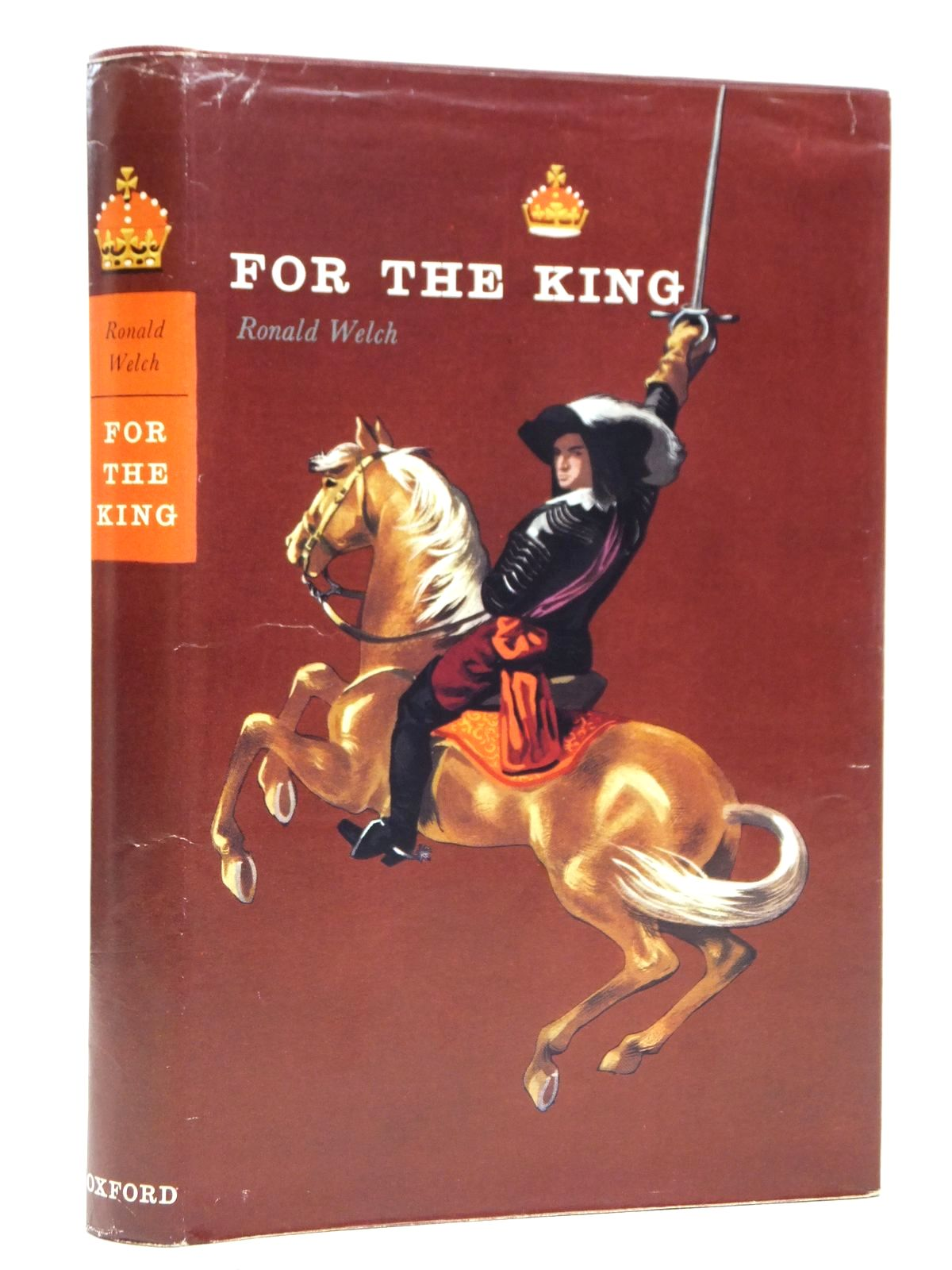 Photo of FOR THE KING written by Welch, Ronald illustrated by Stobbs, William published by Oxford University Press (STOCK CODE: 2121866)  for sale by Stella & Rose's Books