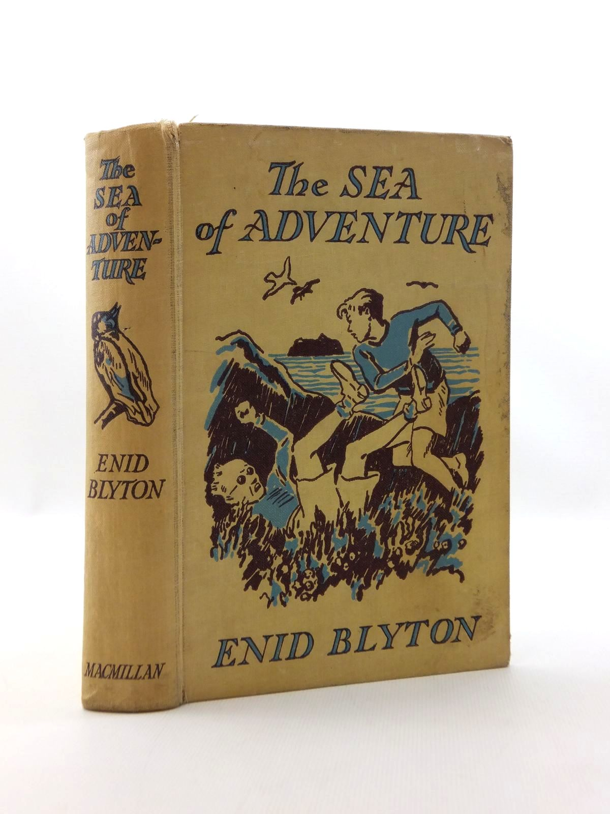 Photo of THE SEA OF ADVENTURE written by Blyton, Enid illustrated by Tresilian, Stuart published by Macmillan & Co. Ltd. (STOCK CODE: 2123322)  for sale by Stella & Rose's Books