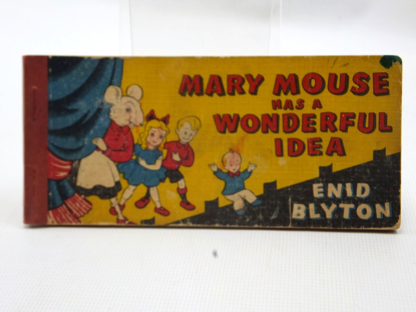 Photo of MARY MOUSE HAS A WONDERFUL IDEA written by Blyton, Enid illustrated by White, Fred published by Brockhampton Press (STOCK CODE: 2124082)  for sale by Stella & Rose's Books