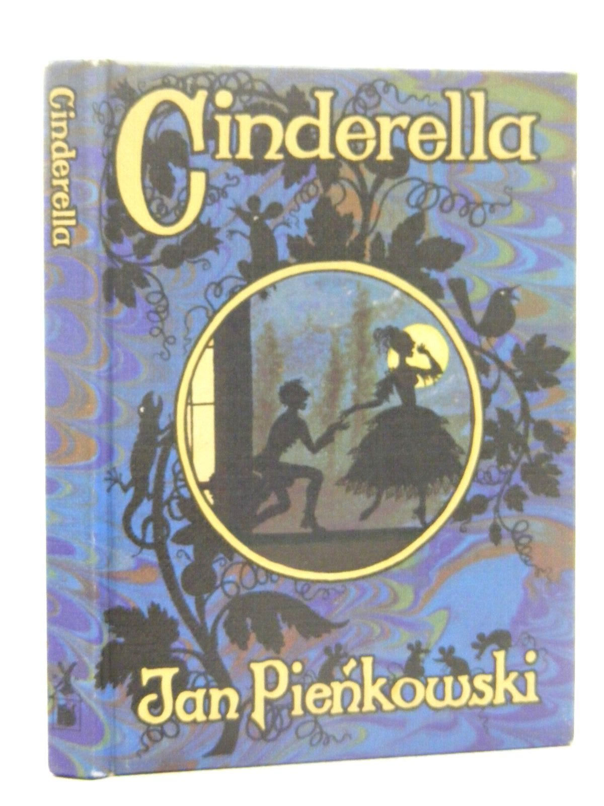 Photo of CINDERELLA written by Pienkowski, Jan<br />Perrault, Charles illustrated by Pienkowski, Jan published by William Heinemann Ltd., Gallery Five (STOCK CODE: 2124897)  for sale by Stella & Rose's Books