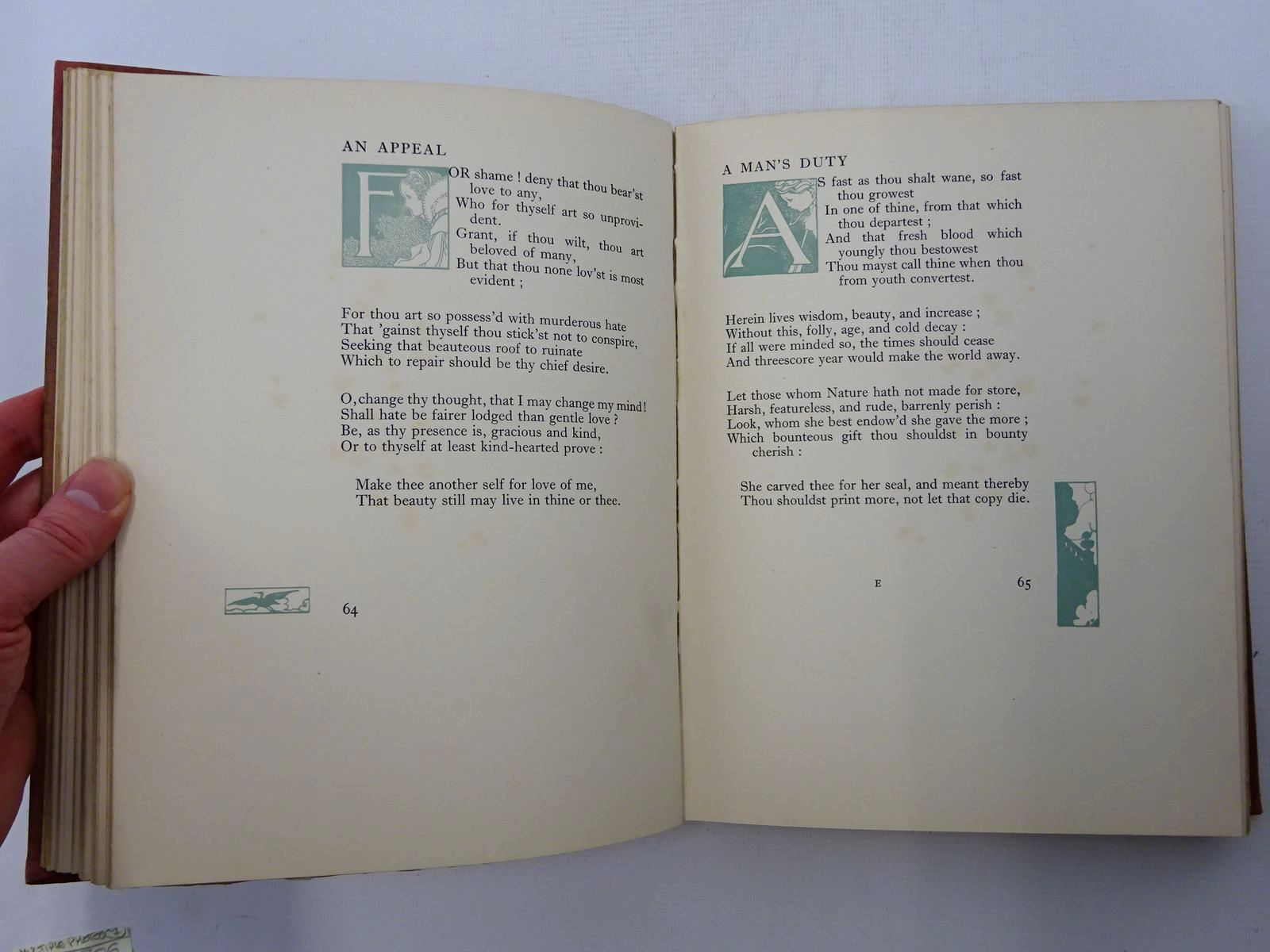 Photo of THE SONGS AND SONNETS OF WILLIAM SHAKESPEARE written by Shakespeare, William illustrated by Robinson, Charles published by Duckworth & Co. (STOCK CODE: 2125309)  for sale by Stella & Rose's Books