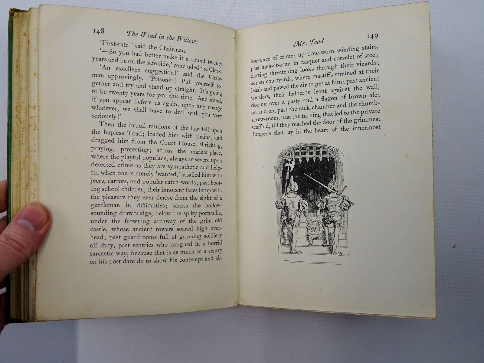 Photo of THE WIND IN THE WILLOWS written by Grahame, Kenneth illustrated by Shepard, E.H. published by Methuen & Co. Ltd. (STOCK CODE: 2125359)  for sale by Stella & Rose's Books
