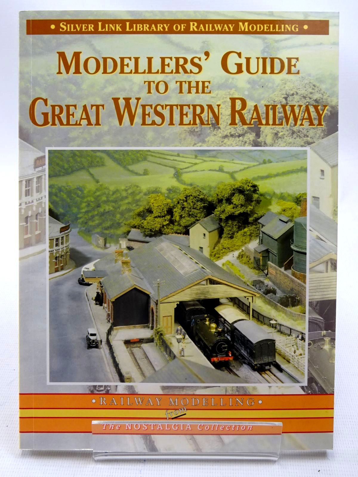 Photo of MODELLERS' GUIDE TO THE GREAT WESTERN RAILWAY published by Silver Link Publishing (STOCK CODE: 2126164)  for sale by Stella & Rose's Books
