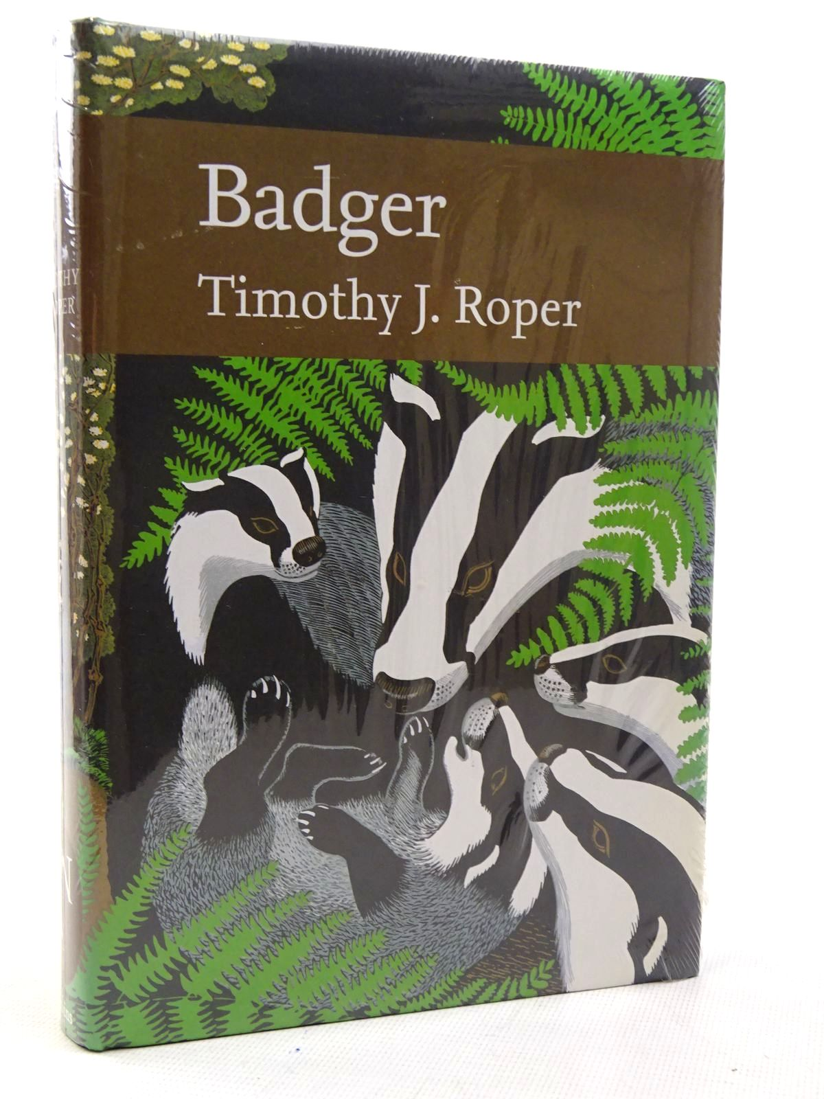 Photo of BADGER (NN 114) written by Roper, Timothy J. published by Collins (STOCK CODE: 2126329)  for sale by Stella & Rose's Books