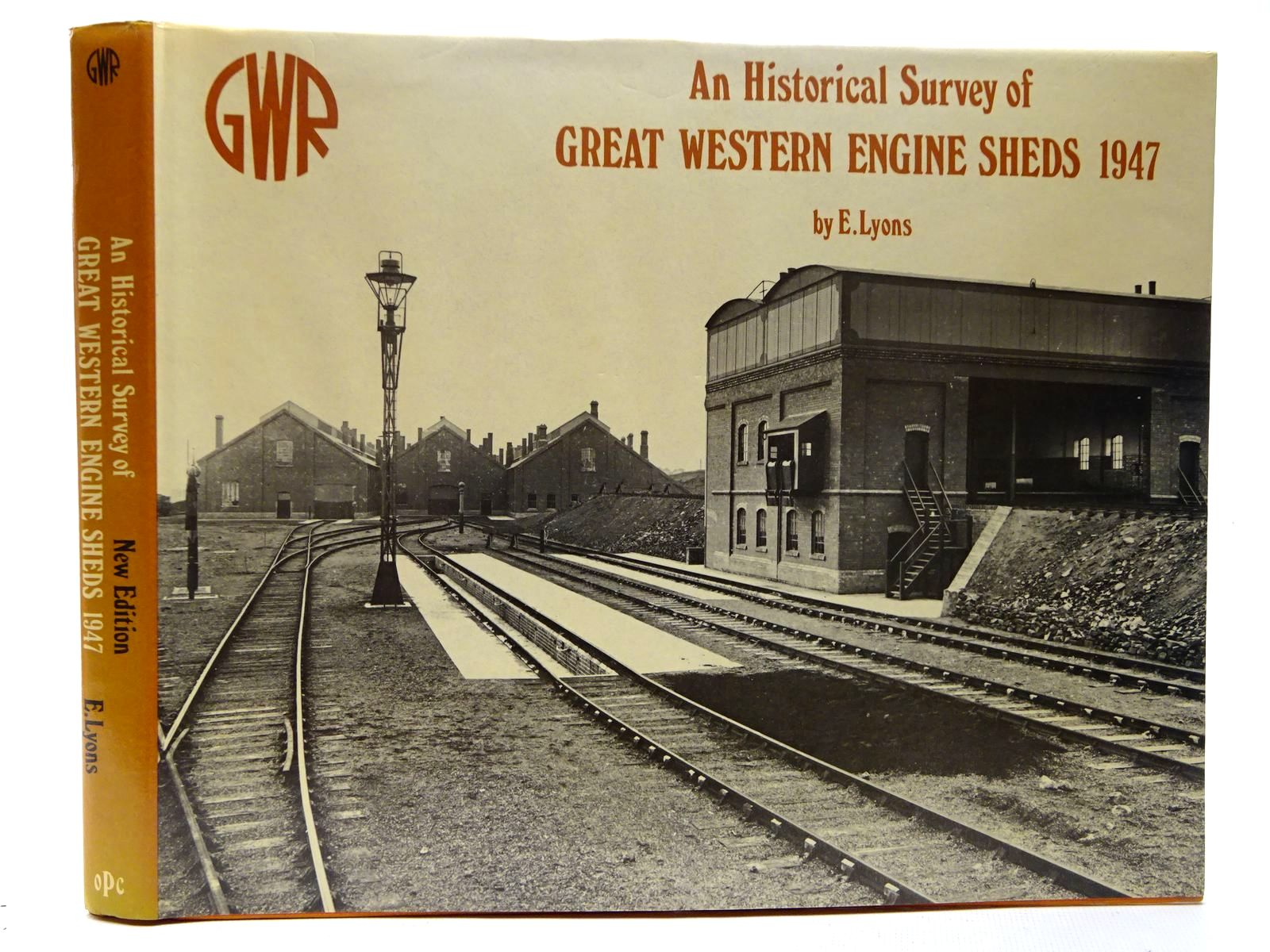 Photo of AN HISTORICAL SURVEY OF GREAT WESTERN ENGINE SHEDS 1947 written by Lyons, E.T. published by Oxford Publishing (STOCK CODE: 2126430)  for sale by Stella & Rose's Books