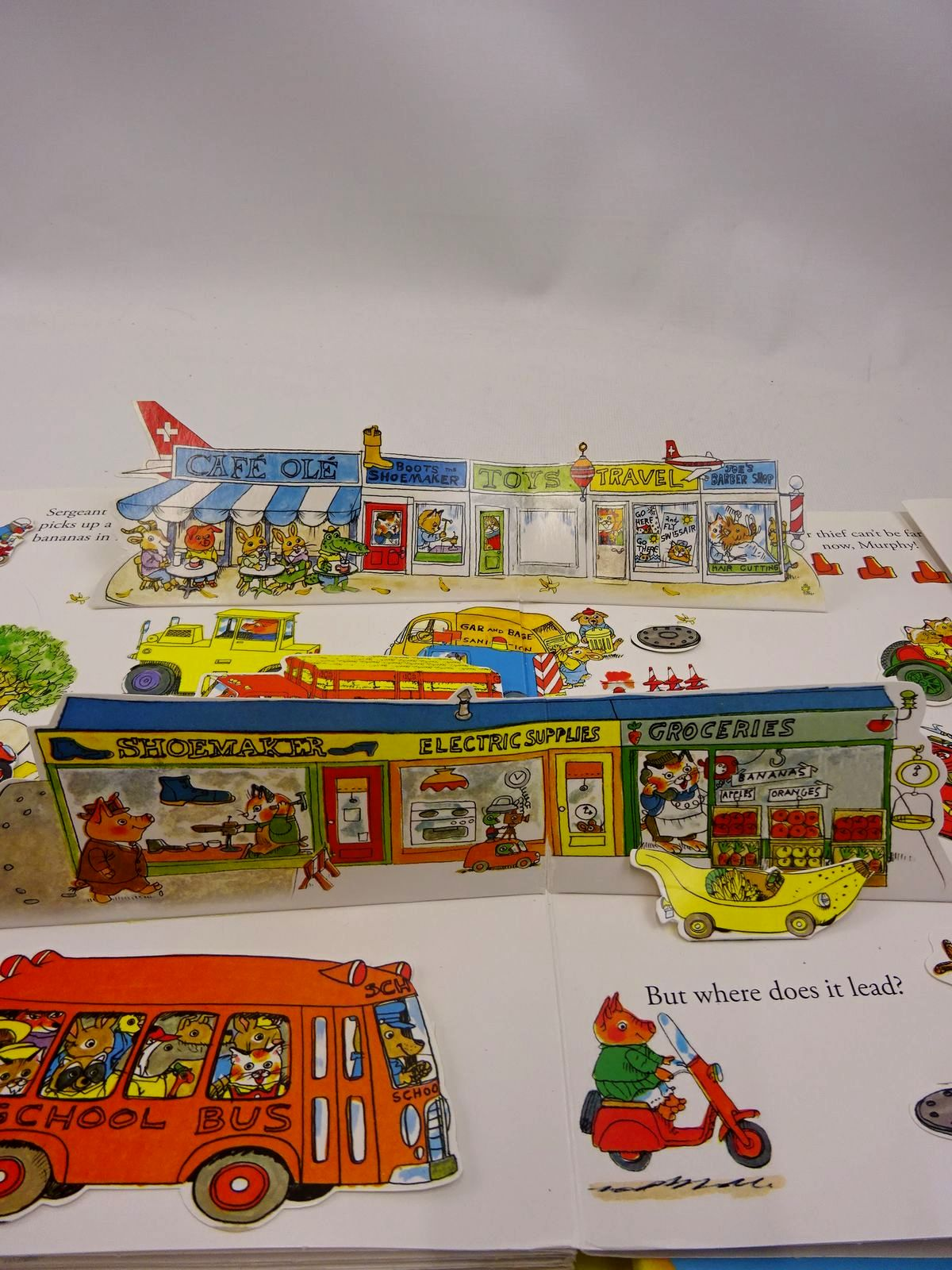 Photo of RICHARD SCARRY'S BUSIEST POP-UP BOOK EVER! written by Scarry, Richard illustrated by Scarry, Richard published by Golden Books (STOCK CODE: 2126588)  for sale by Stella & Rose's Books